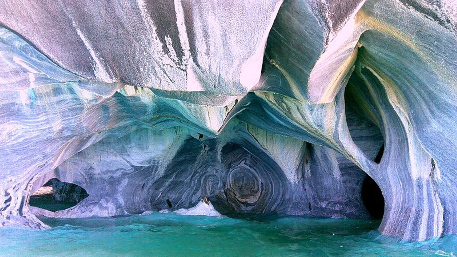 Best time for Marble Caves or Cuevas de Mármol in Chile