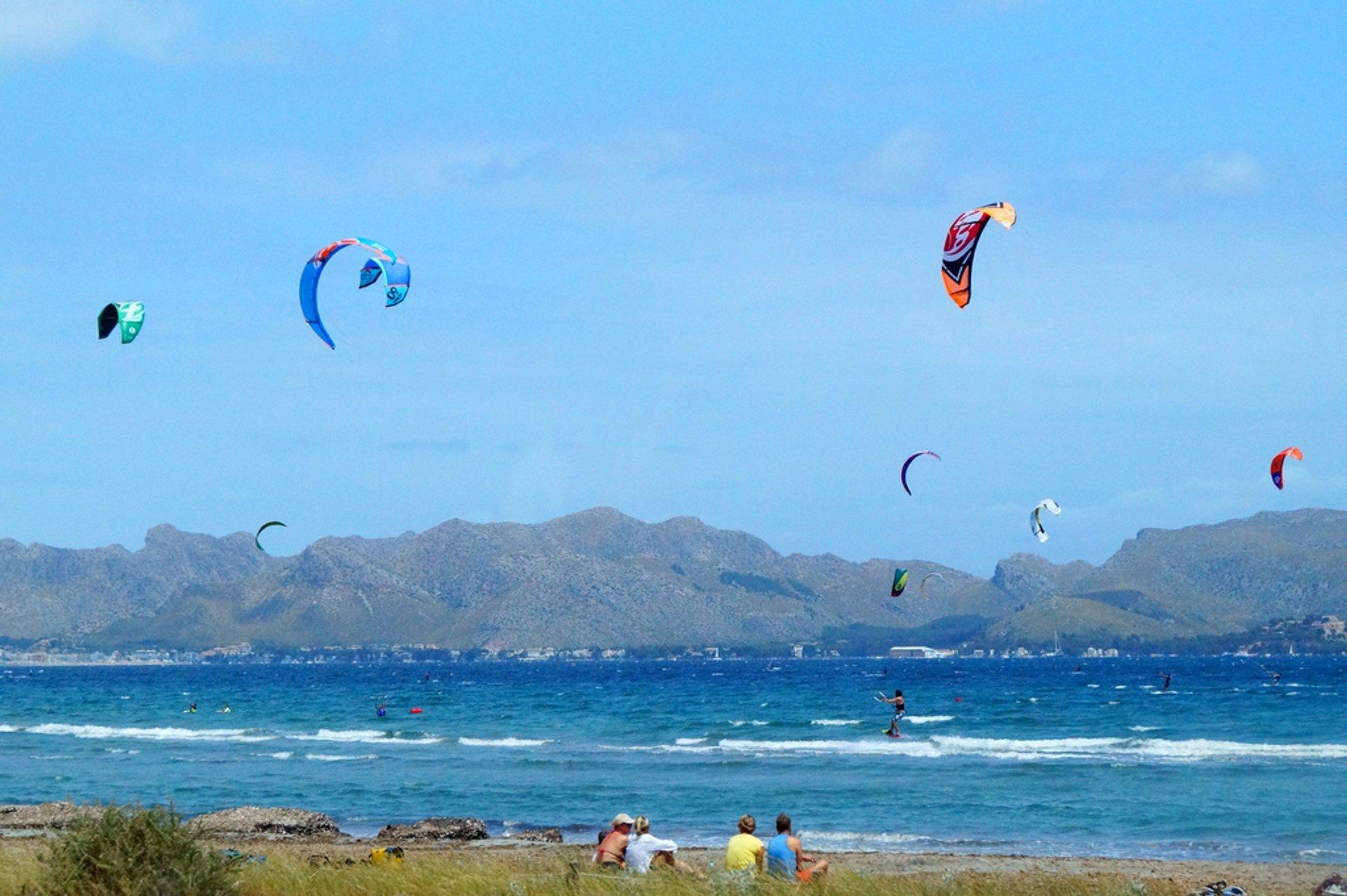 Kite Surfing in Alcudia Mallorca 2020