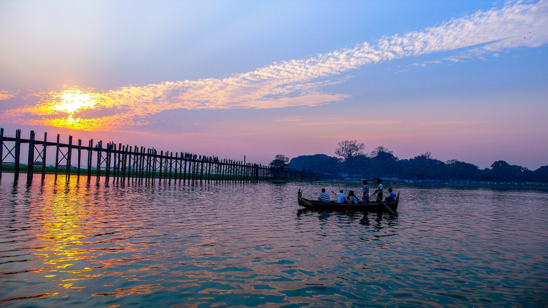 Best time for U Bein Bridge in Myanmar 2020