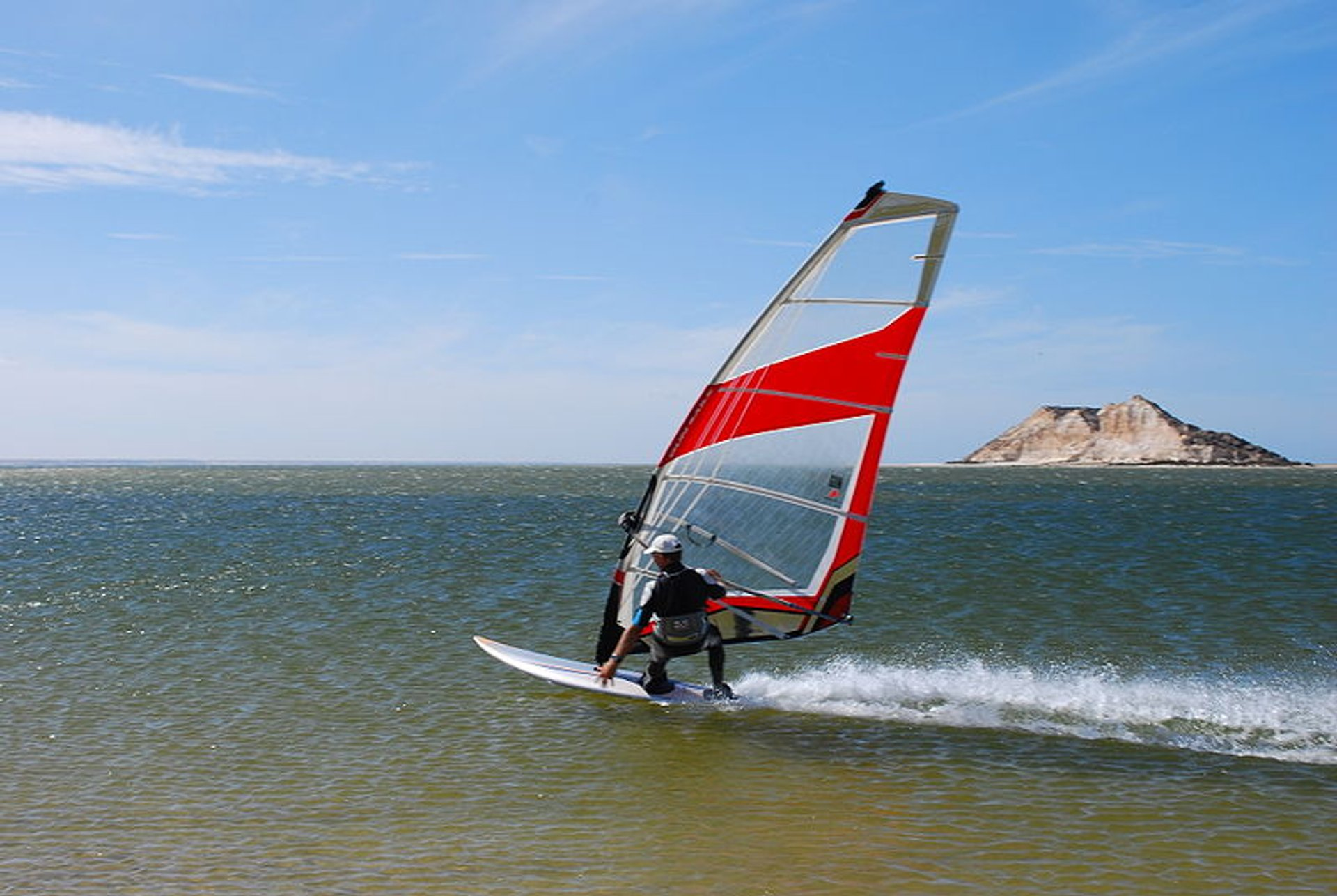 Kitesurfing and Windsurfing  in Morocco 2020 - Best Time