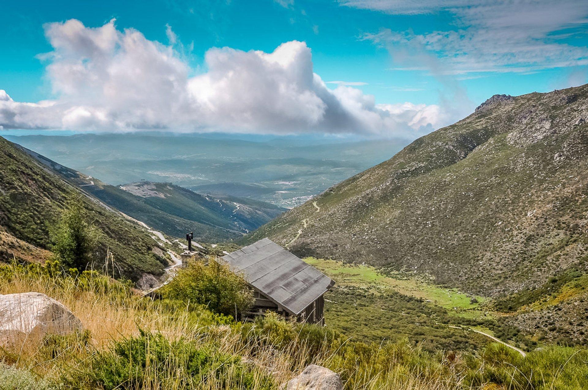 Best time for Hiking in Parque Natural da Serra da Estrela in Portugal 2020