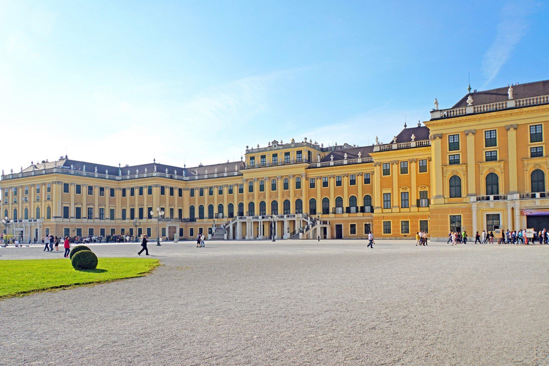 Best time to see Schönbrunn Palace in Vienna 2020