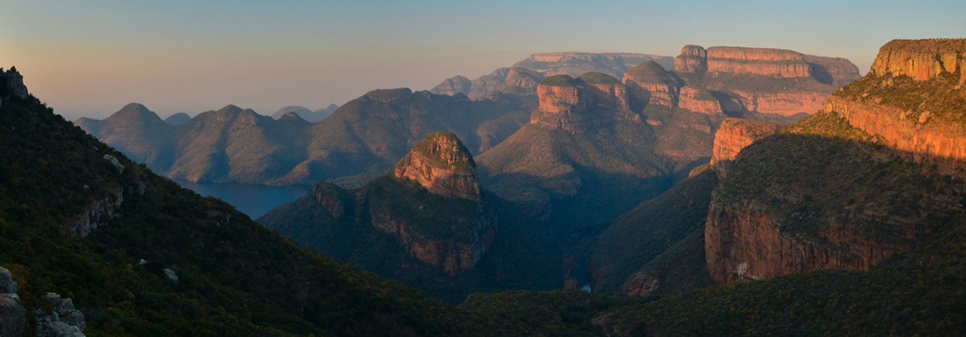 Panoramic view during the Leopard trail hike, just before the sunset