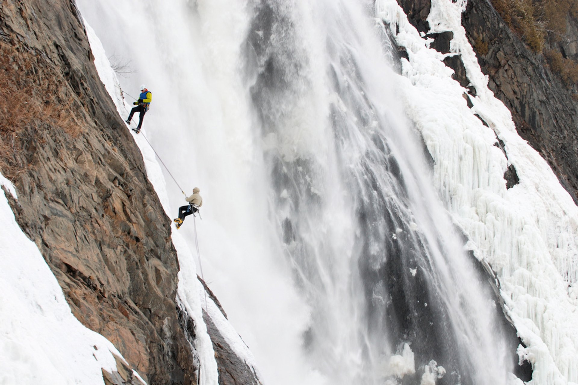 Climbing the Frozen Montmorency Falls in Quebec 2019 - Best Time