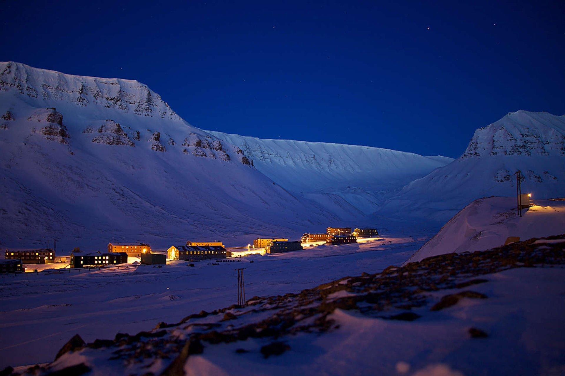 Polar Night in Svalbard 2019 - Best Time