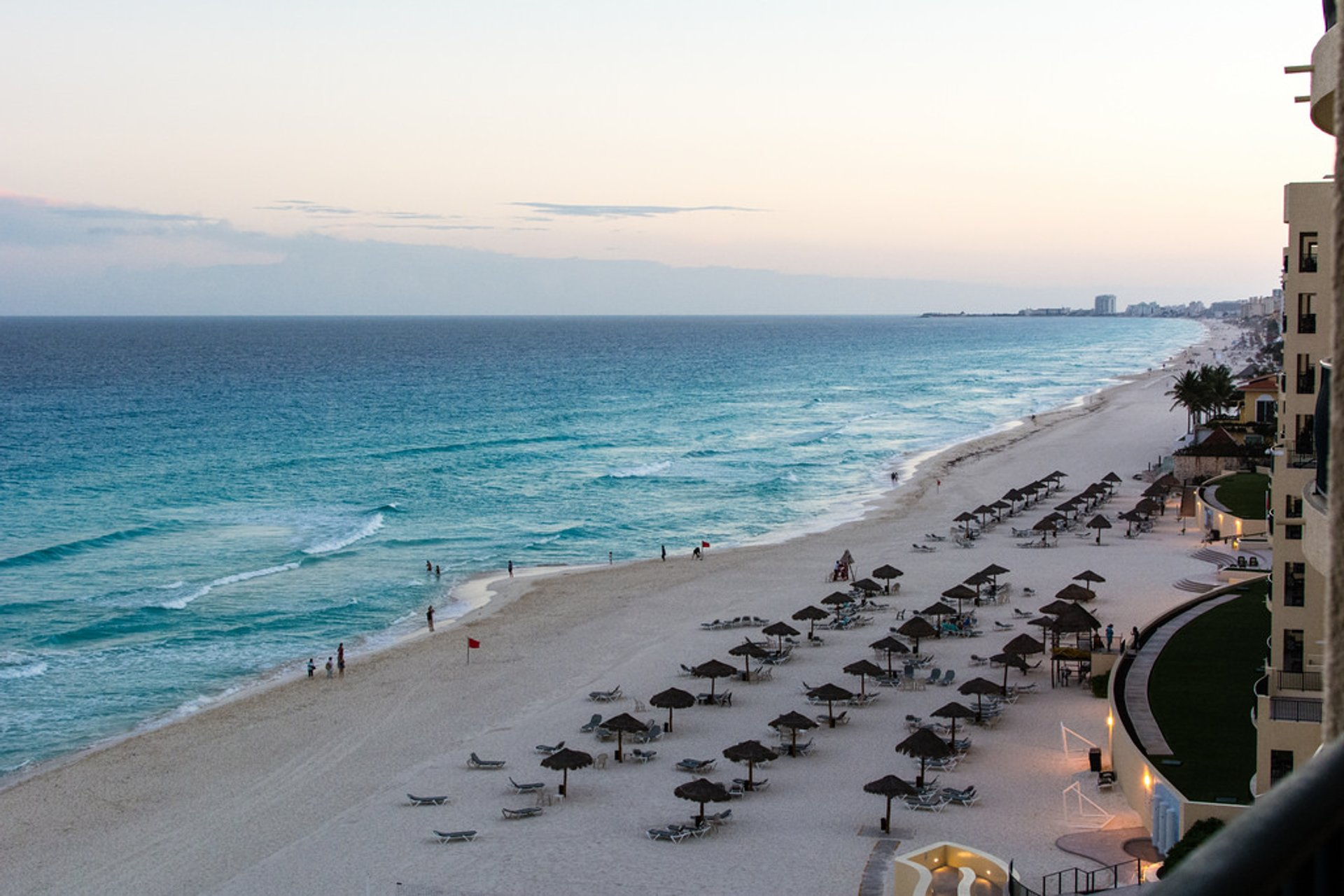 Beach Season in Cancun - Best Season