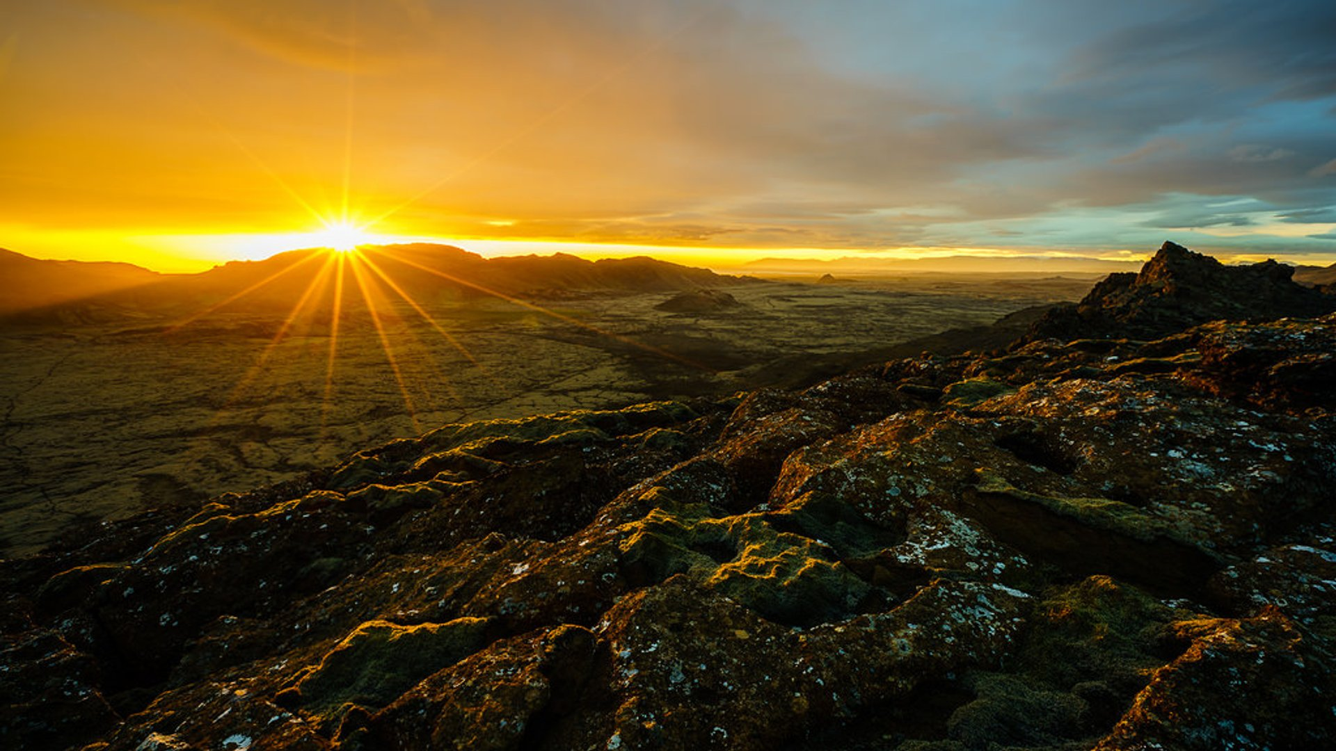 Midnight Sun in Iceland 2019 - Best Time