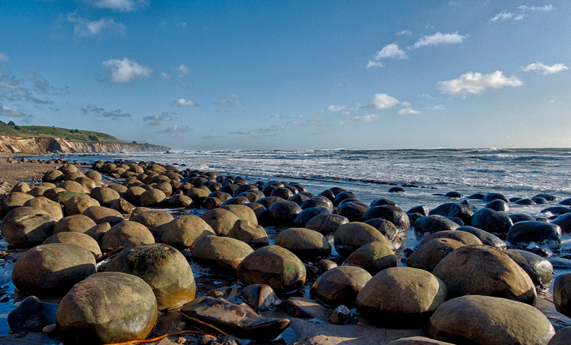 Bowling Ball Beach in California - Best Time