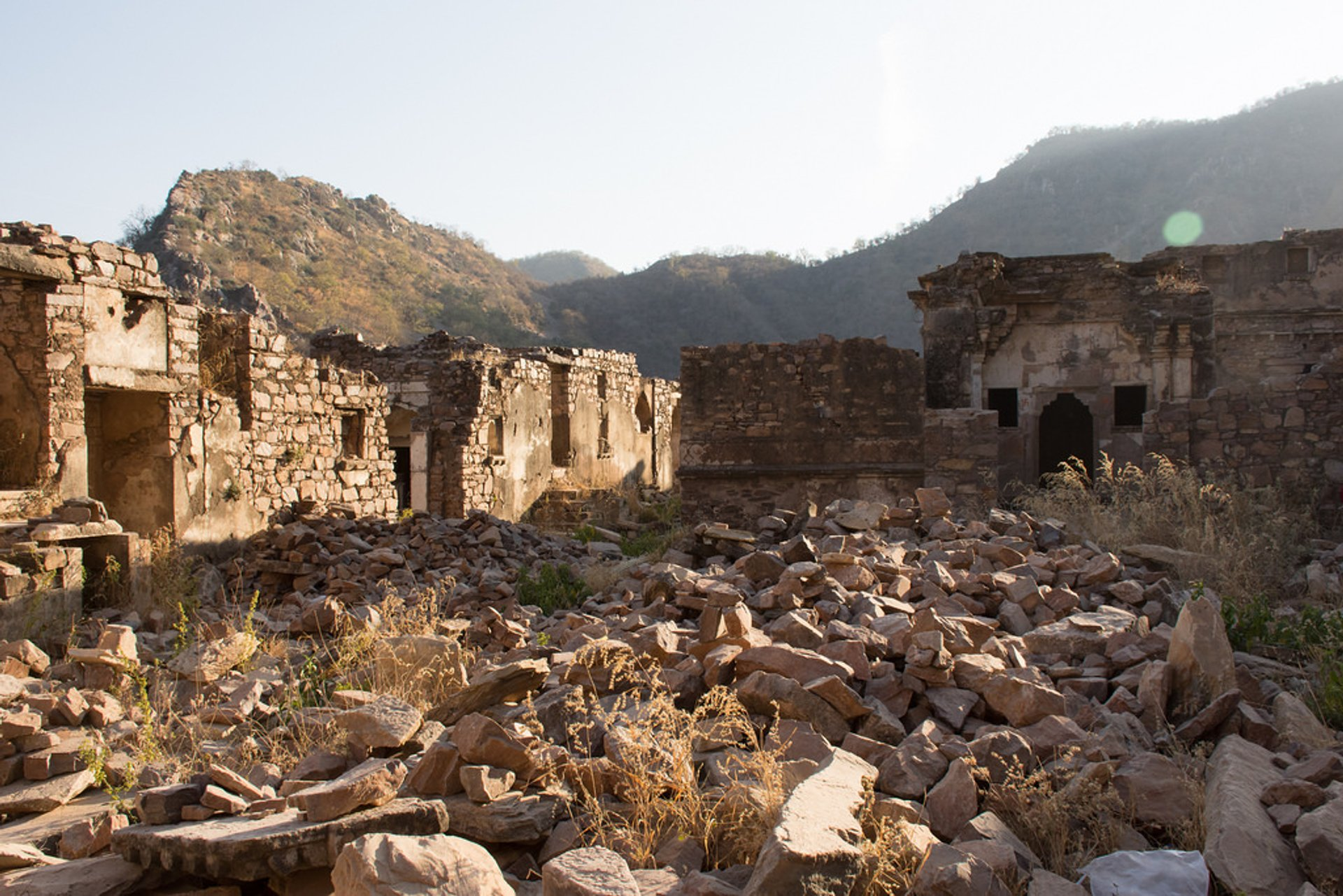 Best time for Bhangarh Fort in India 2020