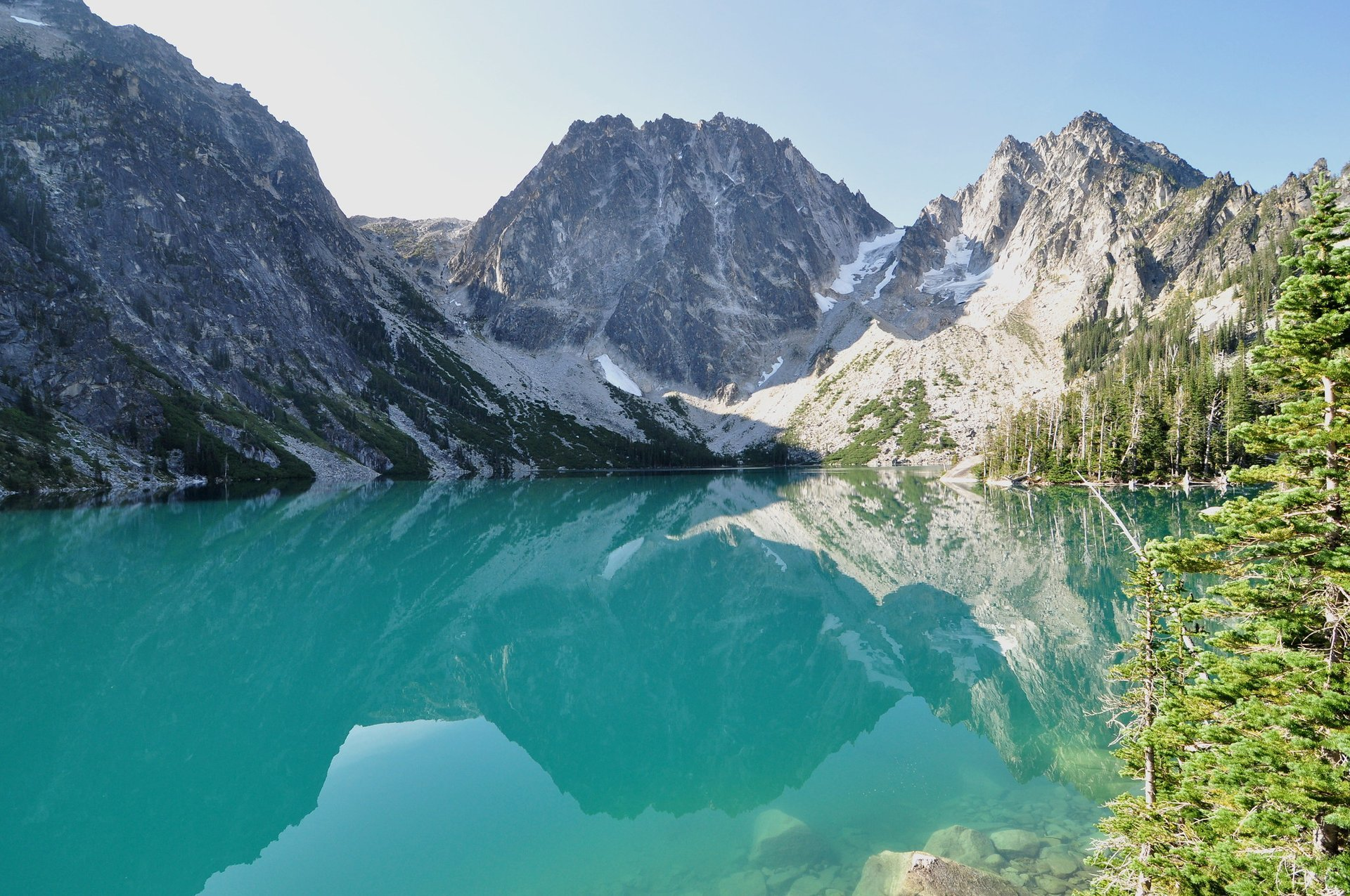 Beautiful cloudless day at Colchuck Lake 2020