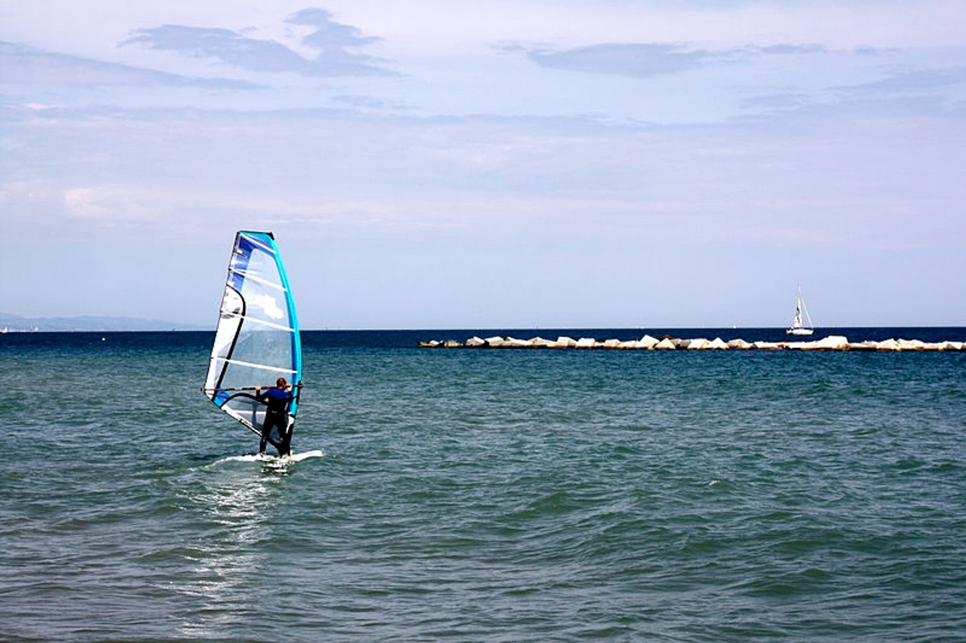 Kitesurfing and Windsurfing  in Barcelona - Best Season 2020
