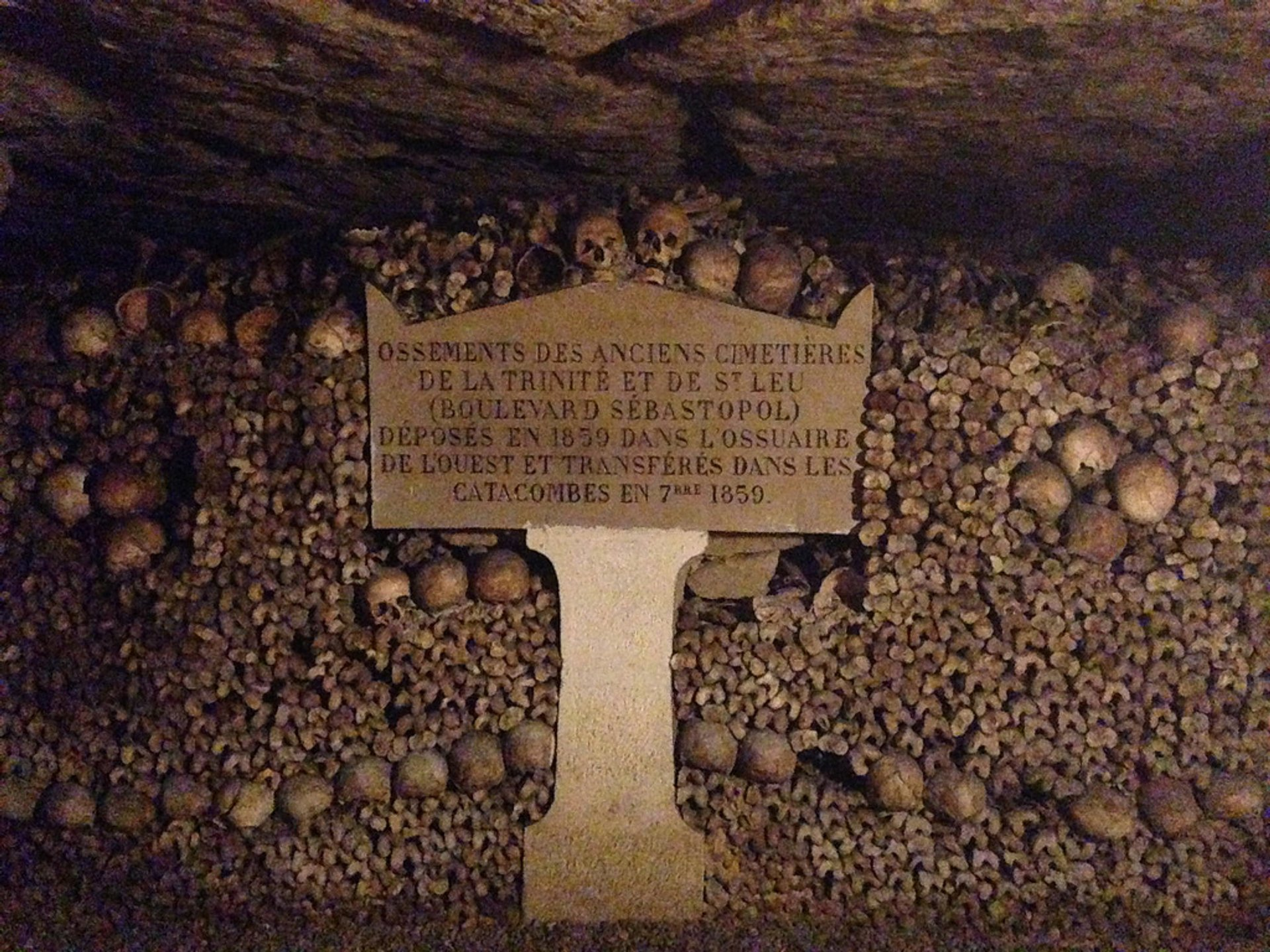 Best time to see Catacombs: Shorter Waiting Time in Paris 2020