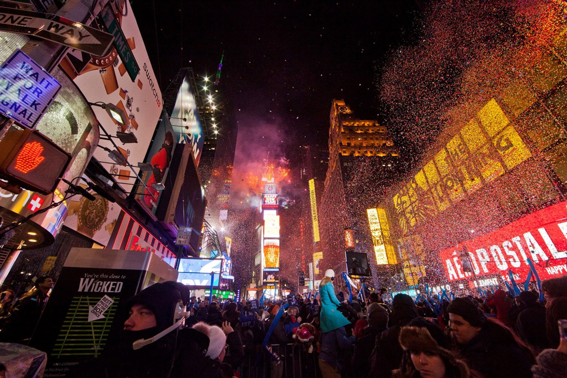 Times Square New Year's Eve in New York 2019 - Best Time