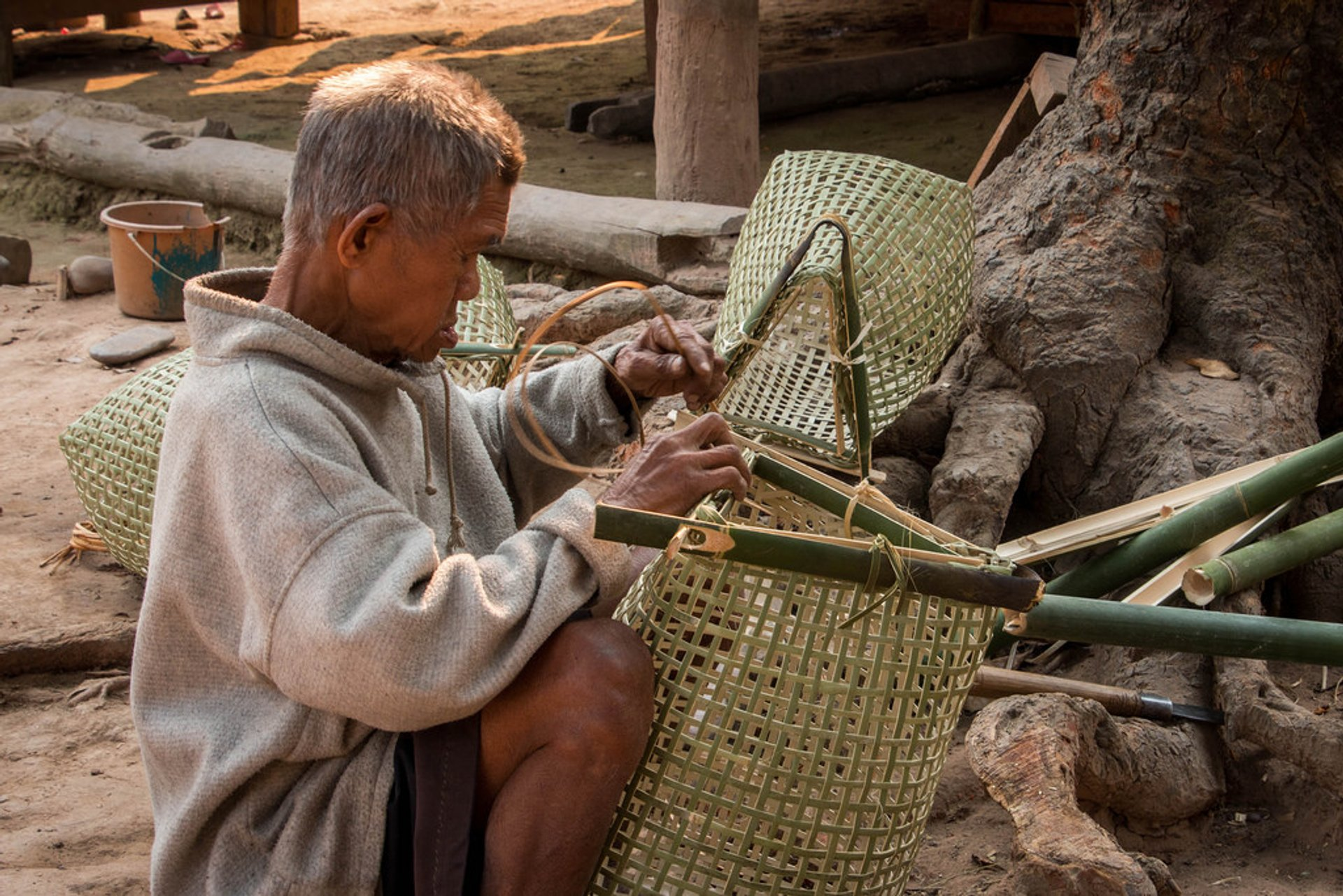 Weaving bamboo nets
