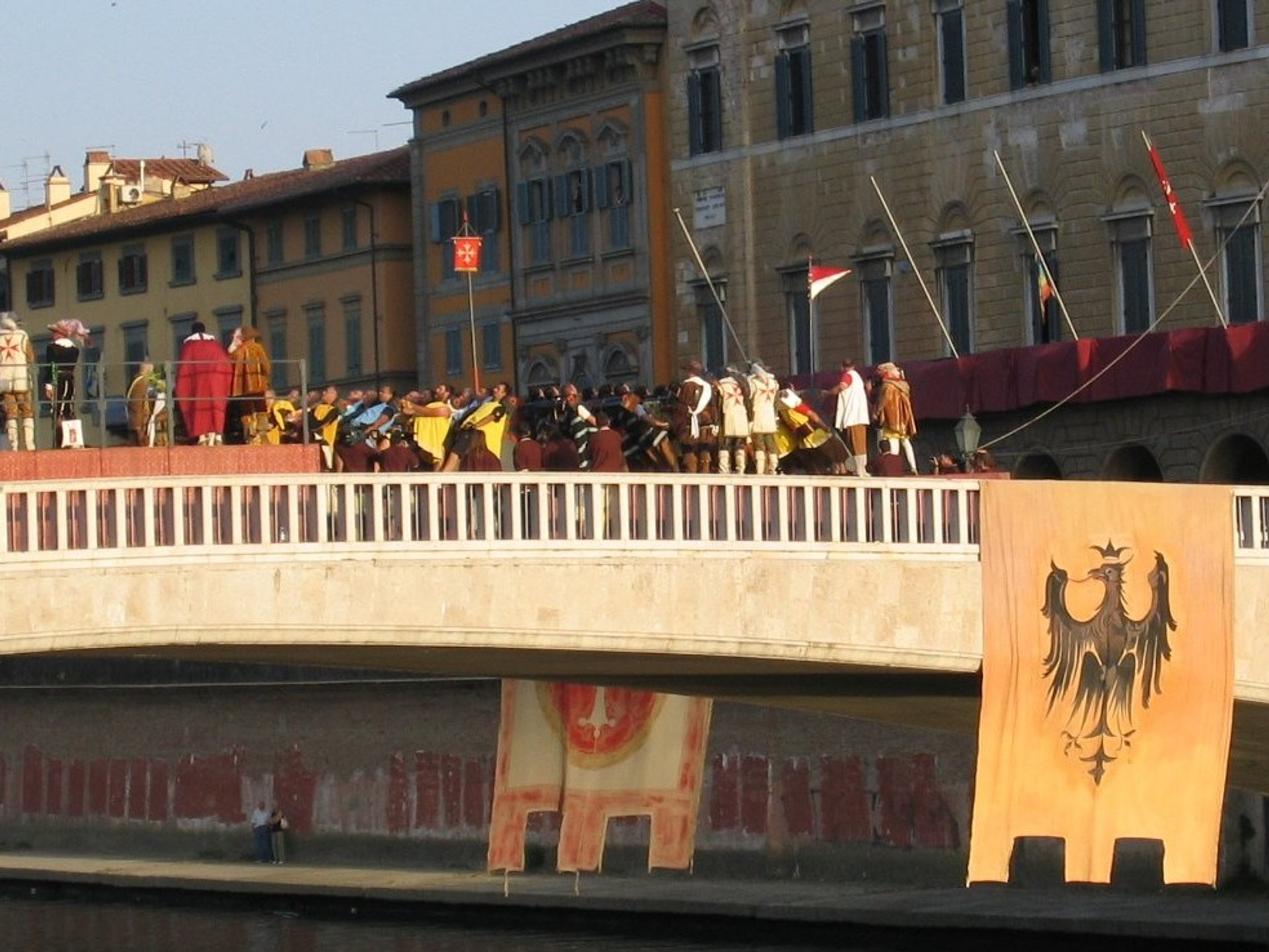 Best time to see Game of the Bridge (Gioco del Ponte) in Tuscany 2019