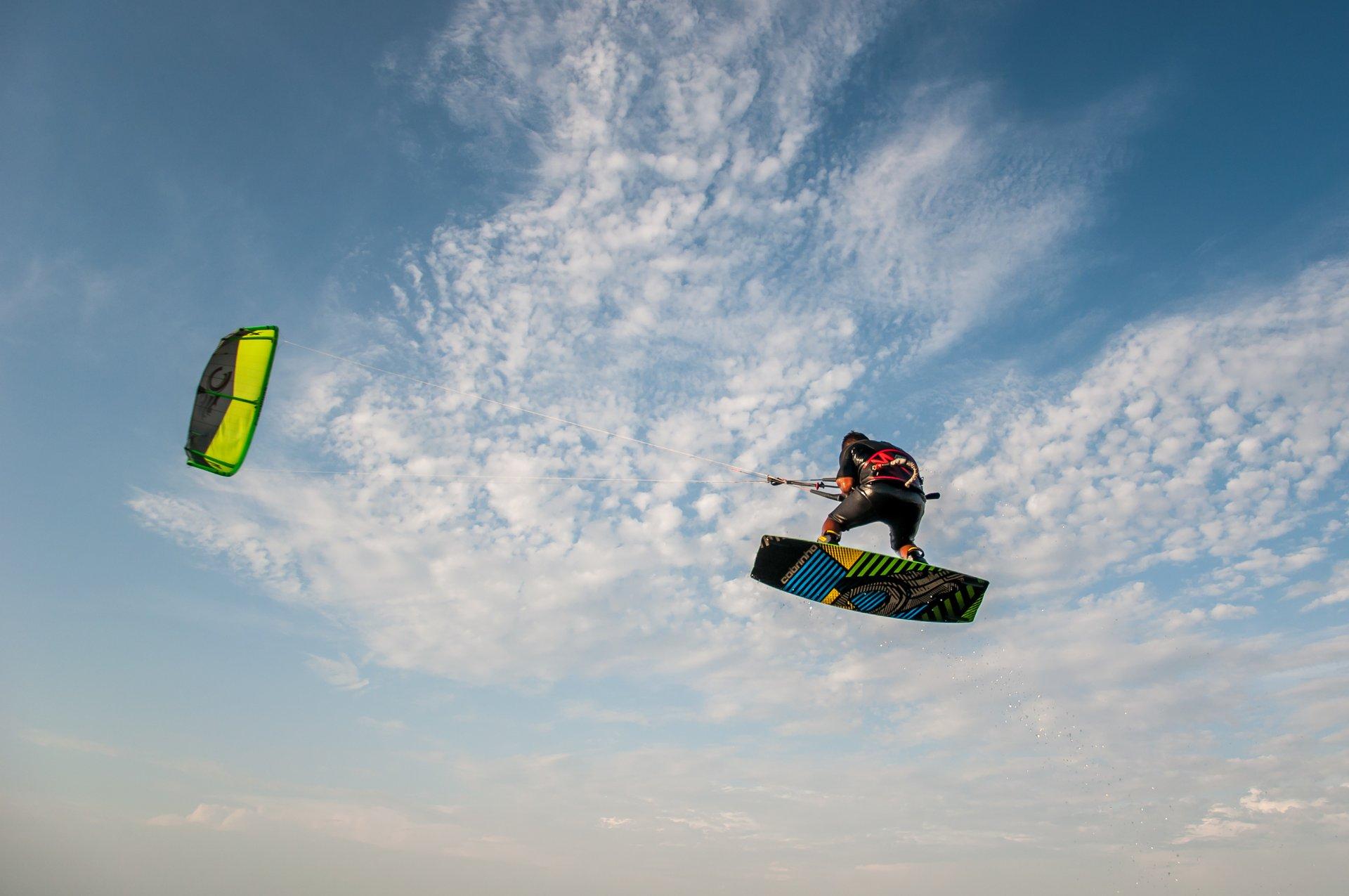 Kitesurfing and Windsurfing in Peru 2020 - Best Time