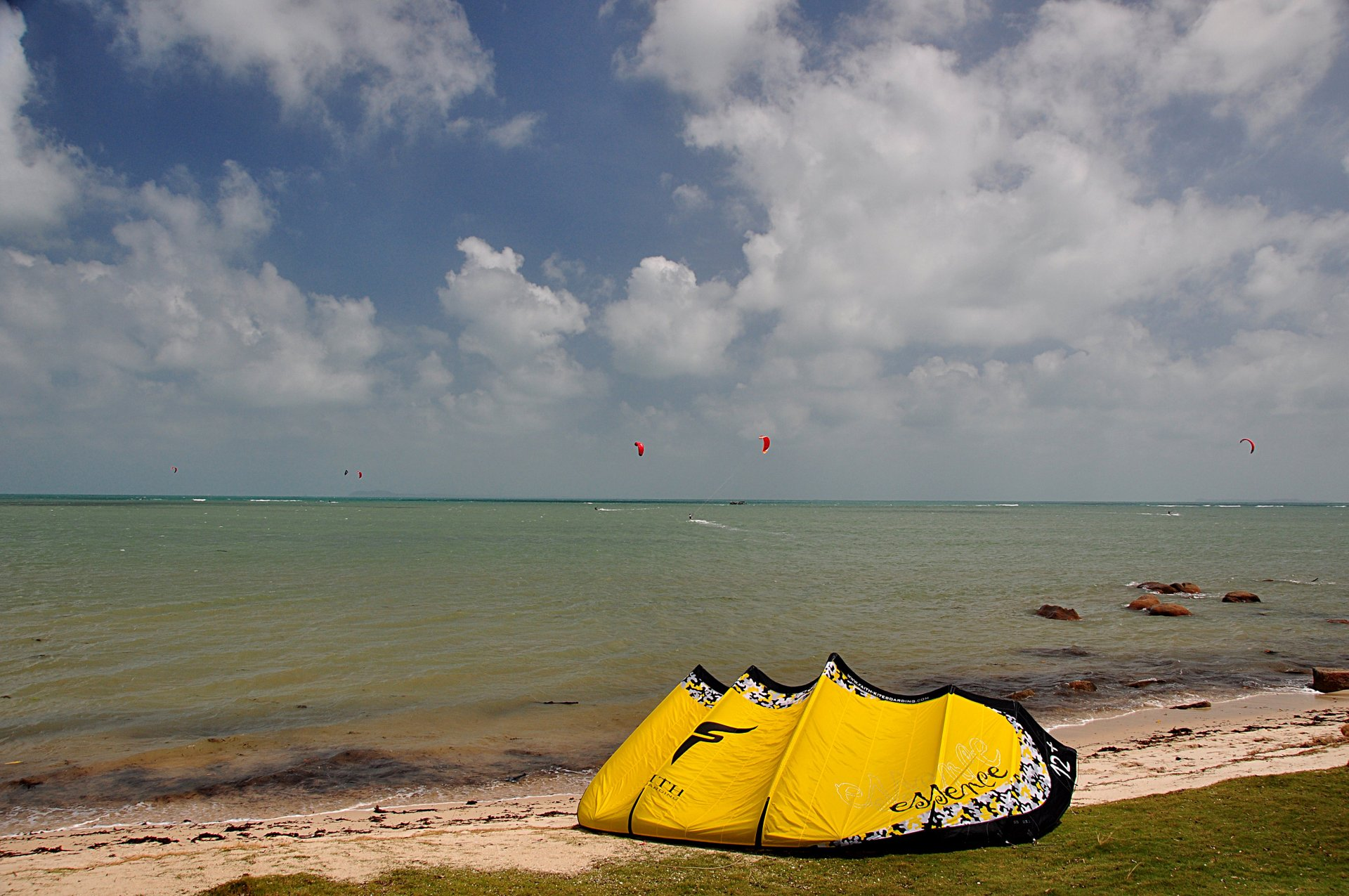 Kitesurfing on Bintan island, close to Singapore 2020