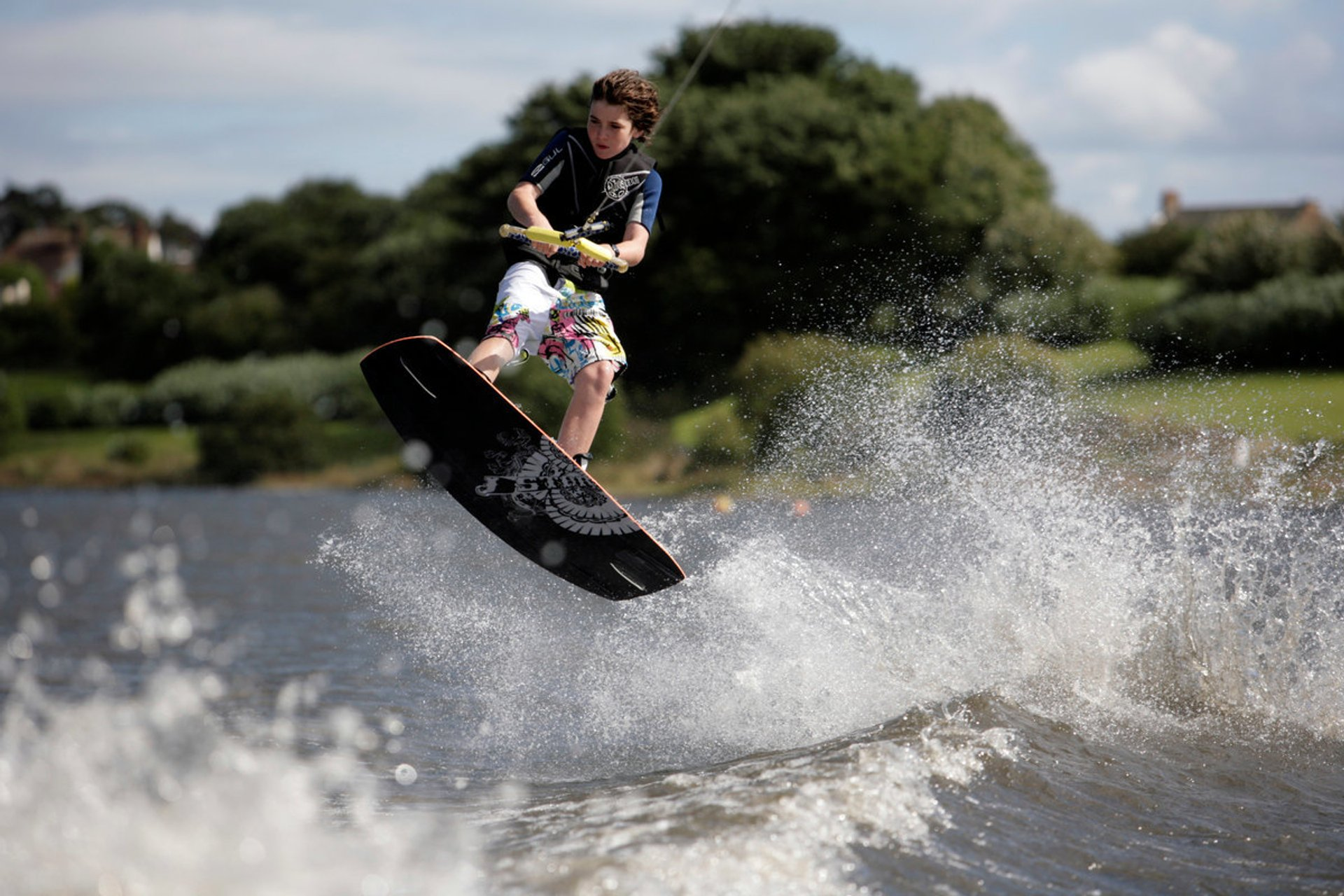 Water Skiing and Wakeboarding in Scotland 2020 - Best Time
