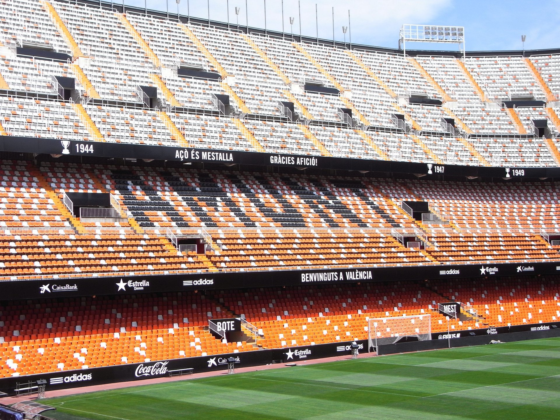 Football Season at the Mestalla in Valencia 2020 - Best Time