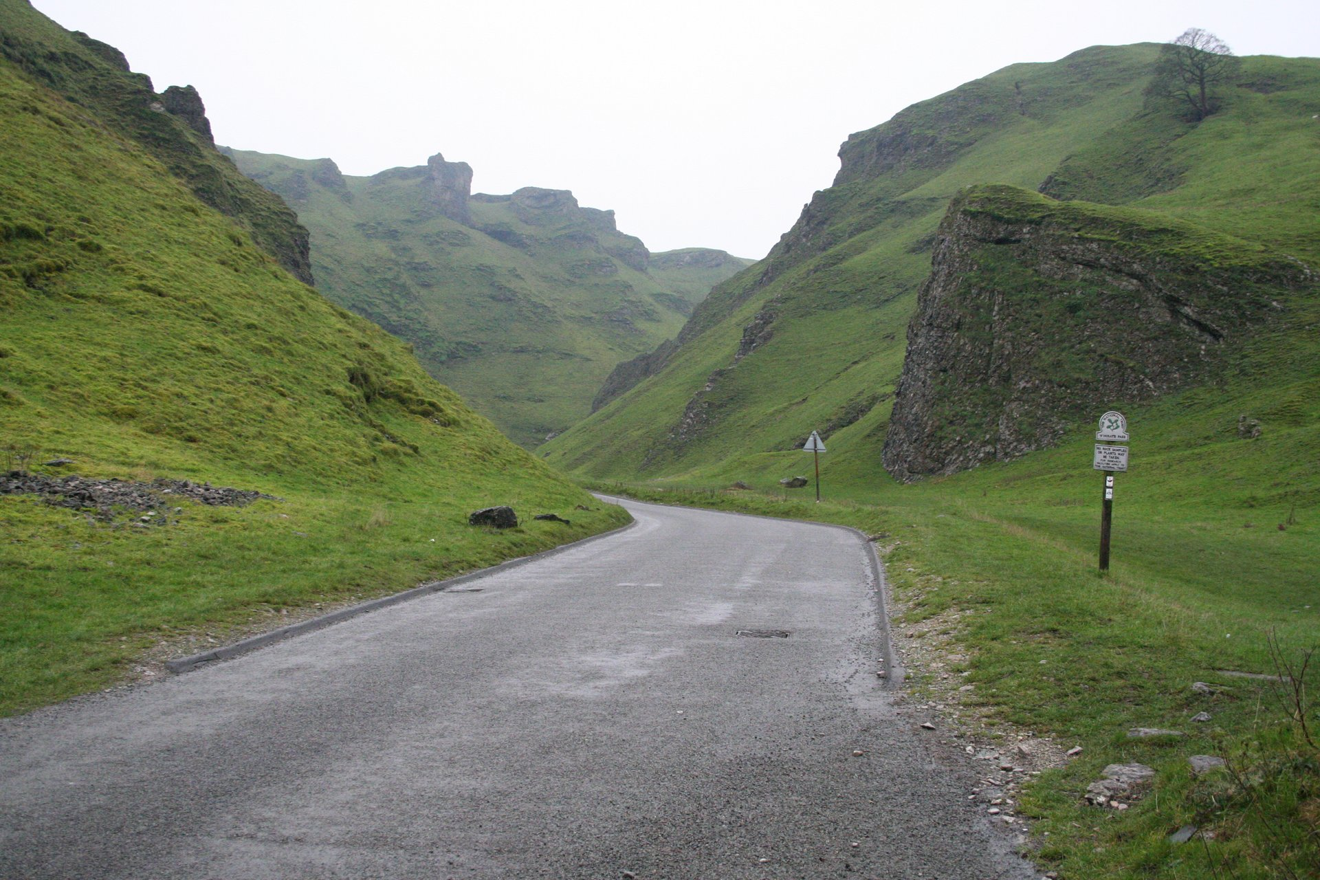 Best time for Winnats Pass in England 2019