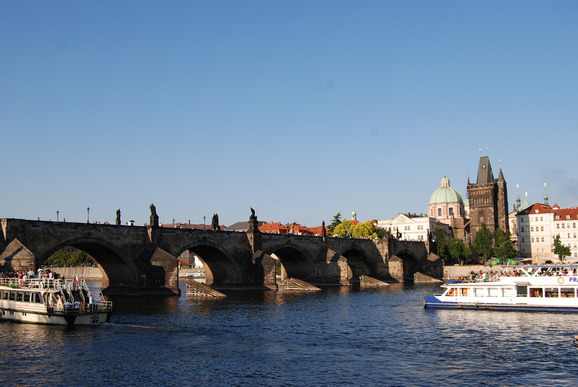 Summertime River Cruise in Prague - Best Season