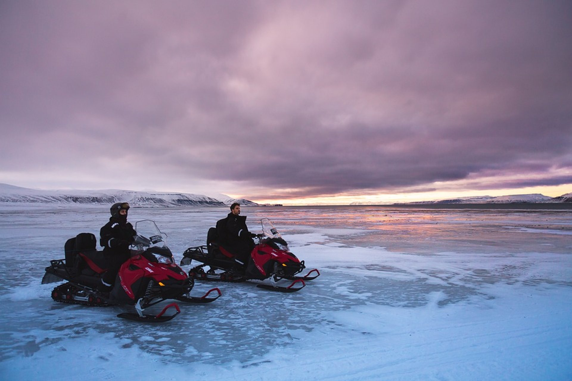 Snowmobiling  in Svalbard - Best Season 2020