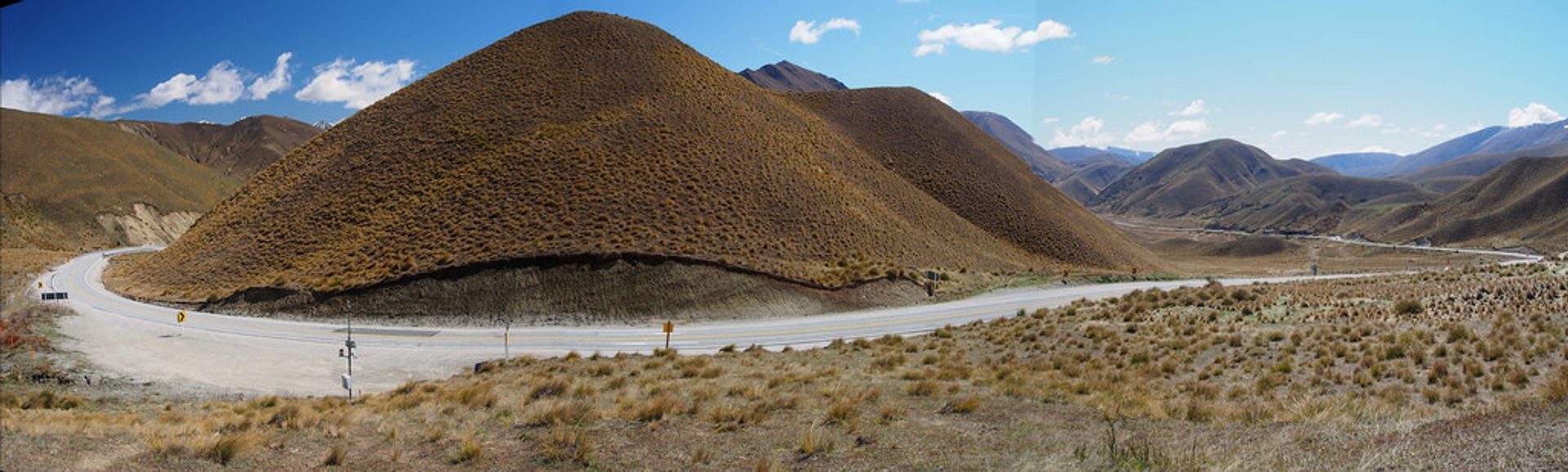 Best time to see Lindis Pass in New Zealand