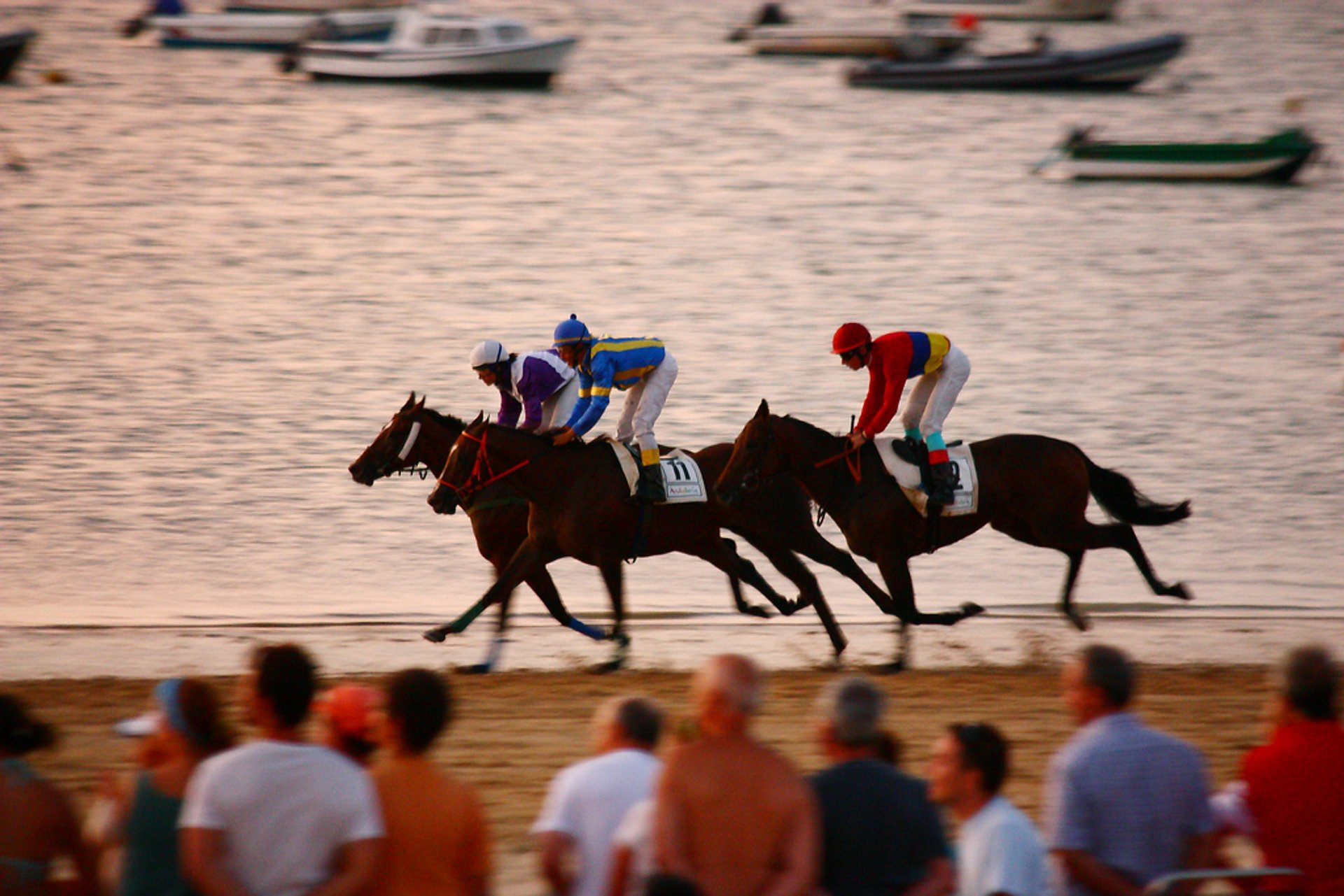 Best time for Sanlúcar Horse Racing
