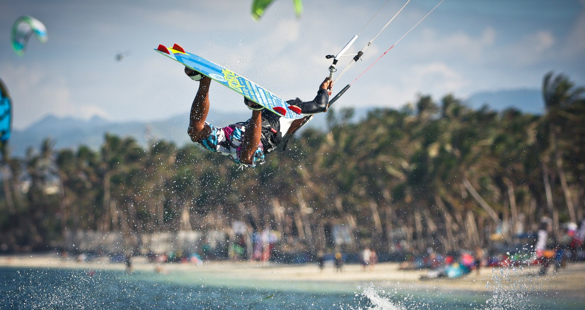 Kitesurfing on Boracay in Philippines 2019 - Best Time