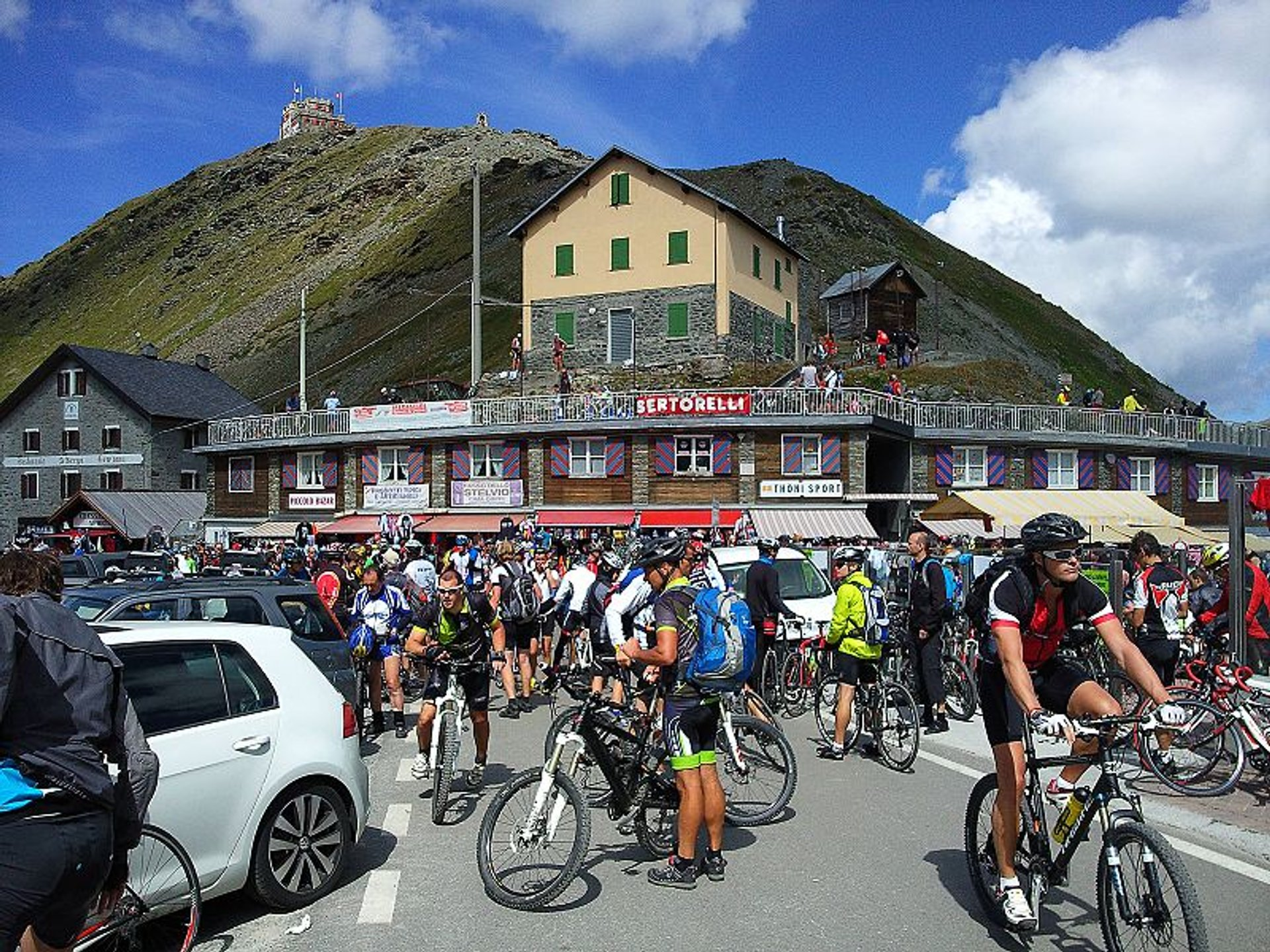Stelvio Bike Day (Scalata Cima Coppi) in Italy - Best Season 2020