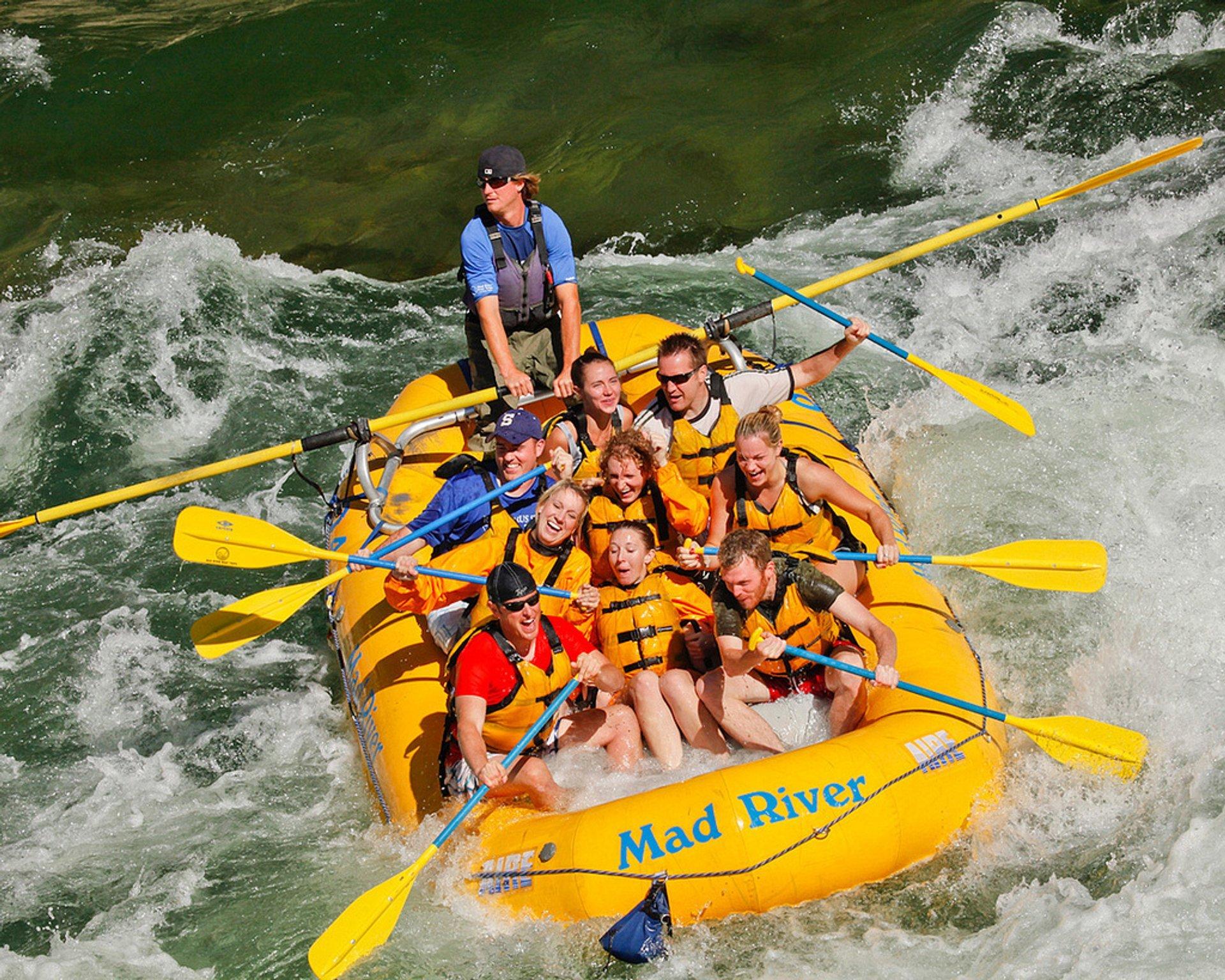 Rafting in Yellowstone National Park - Best Season 2020
