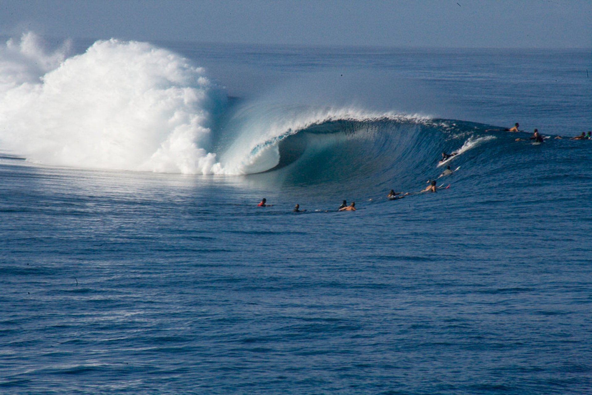 Surfing in Tahiti 2019 - Best Time