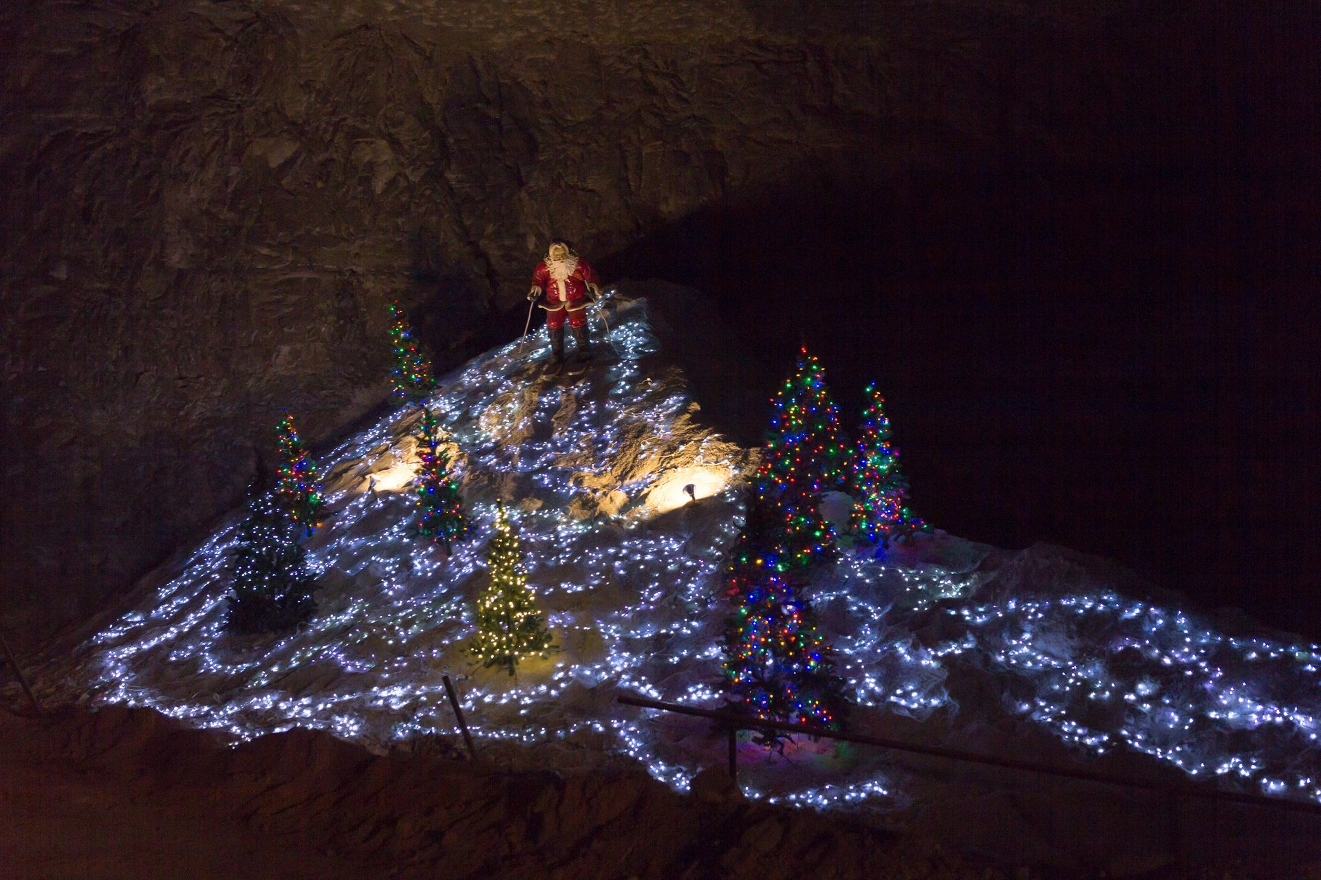 Louisville Mega Cavern Lights 2020