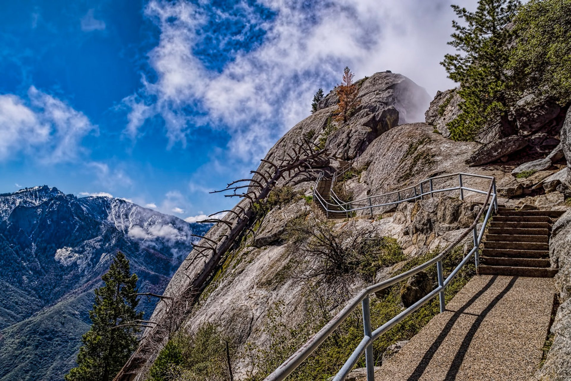 Best time for Moro Rock Hike 2019