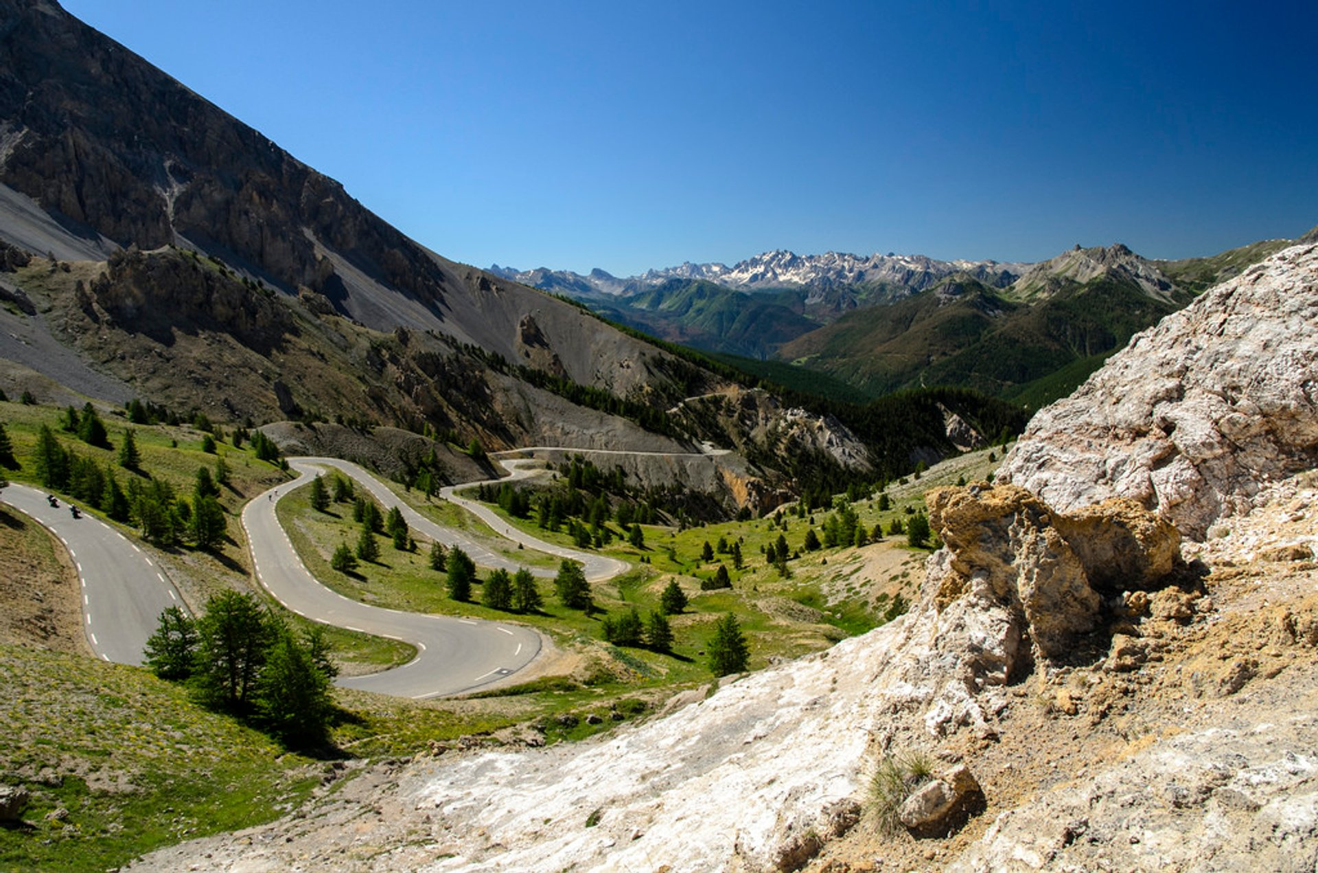 Best time for Col d'Izoard in France 2020