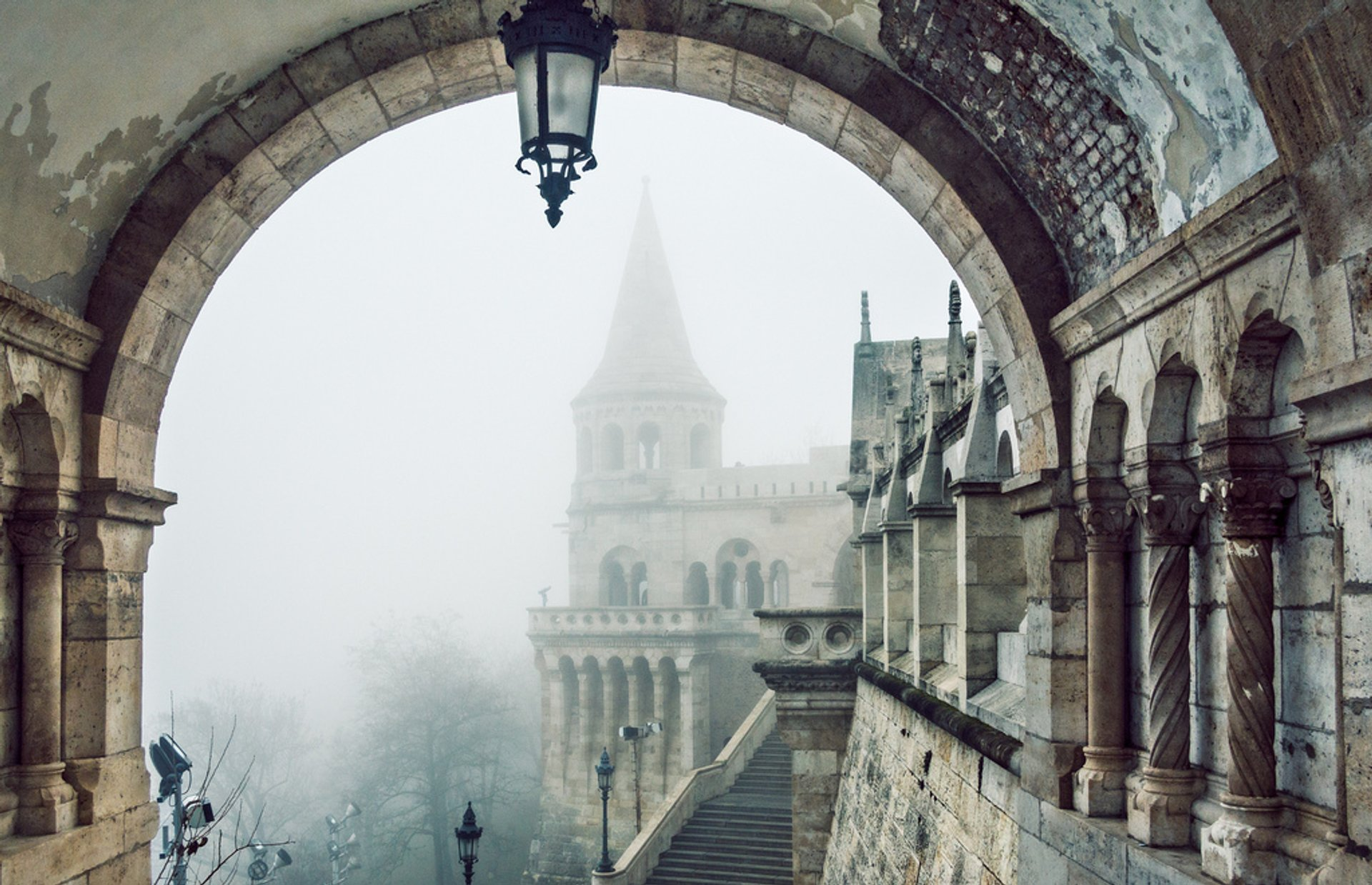 Winter Wonderland at the Fisherman's Bastion in Budapest 2020 - Best Time