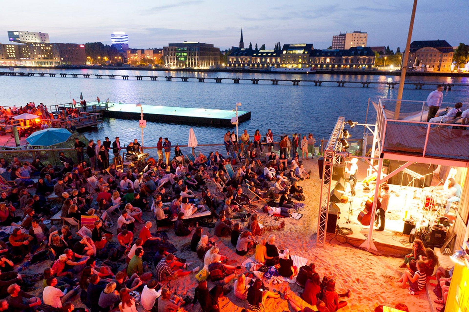Badeschiff Bathing Season in Berlin 2019 - Best Time