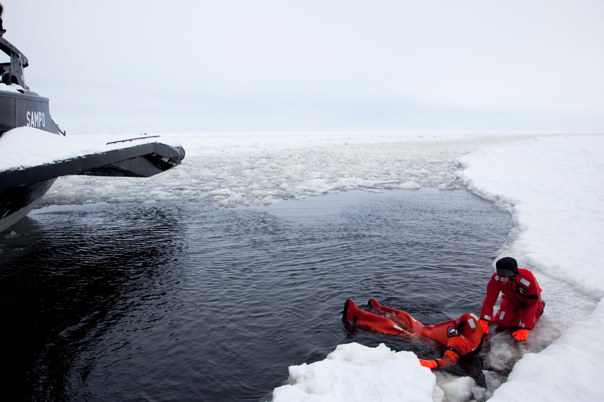 Best time for Icebreaker Cruise and Ice Floating in Finland