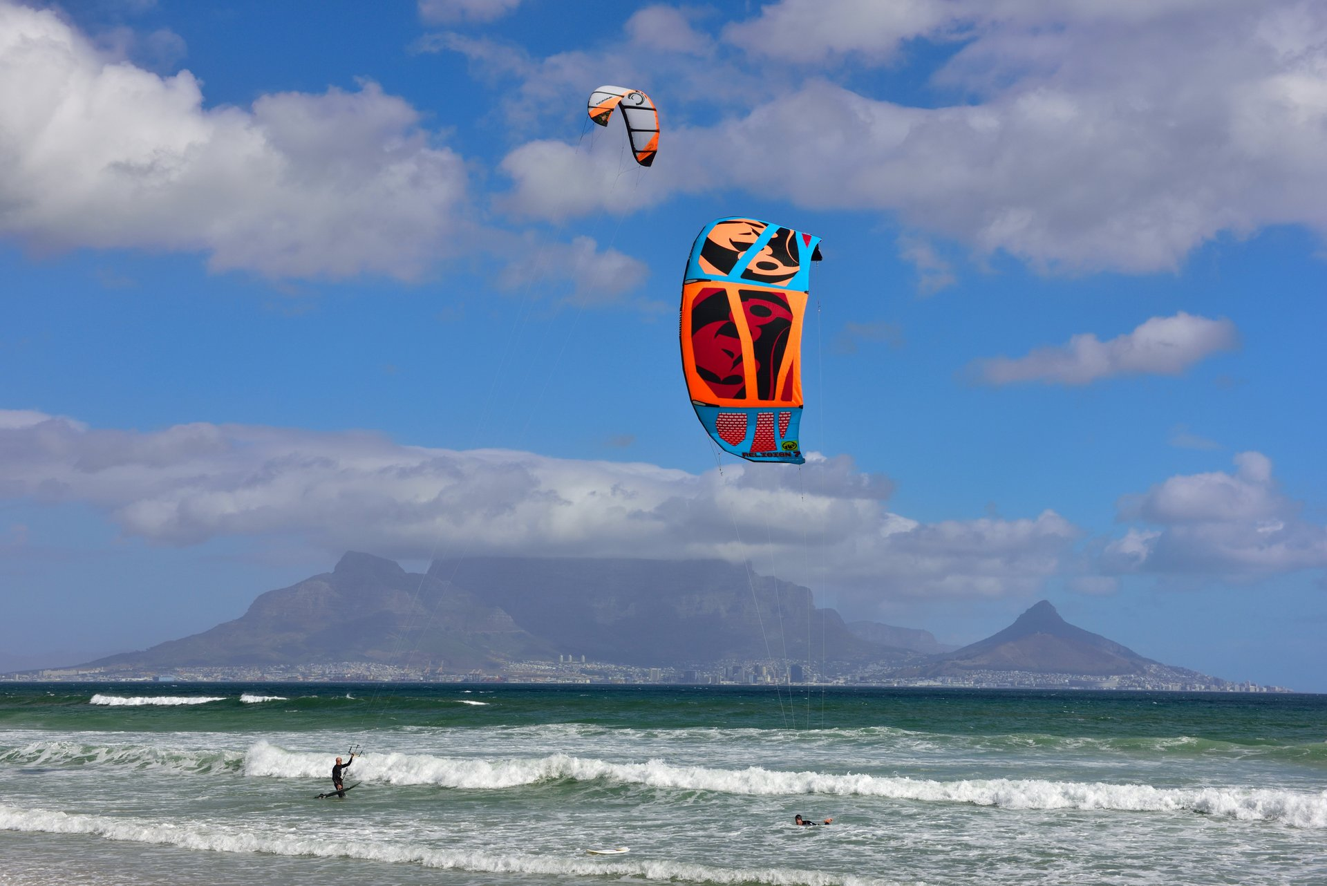 Perfect Kitesurfing in Cape Town 2020 - Best Time