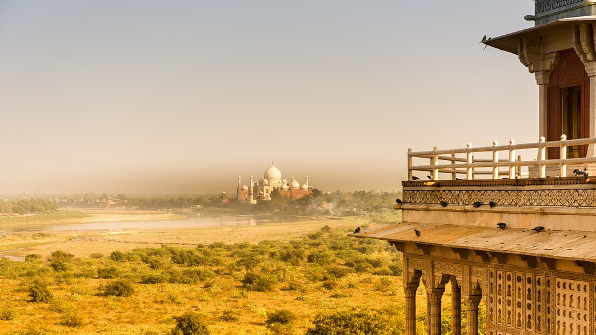 Summer in Taj Mahal and Agra  2020 - Best Time