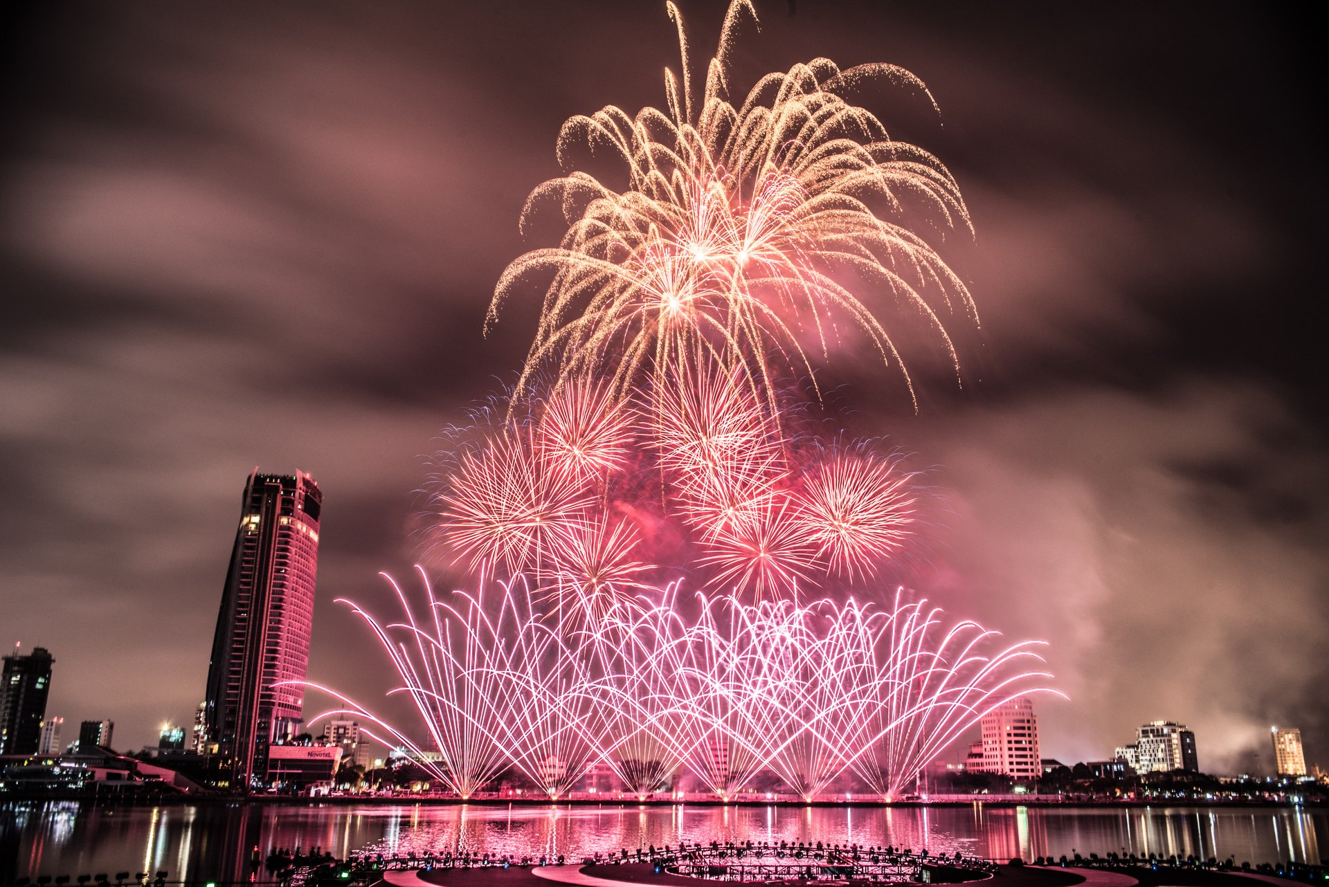Best time for Da Nang International Fireworks Competition in Vietnam 2019