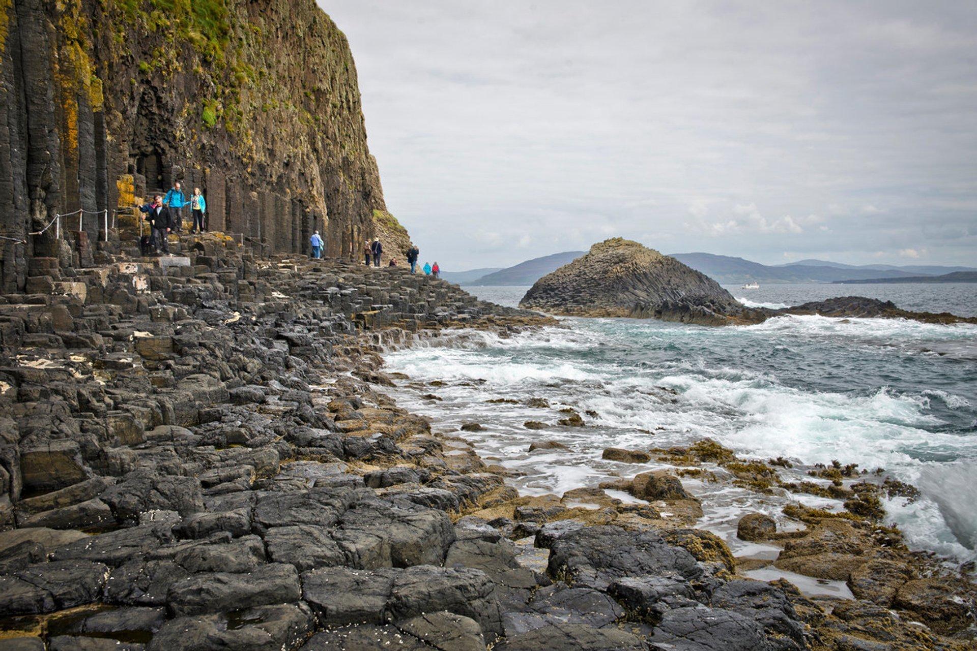 Cruise to Staffa in Scotland - Best Season 2019
