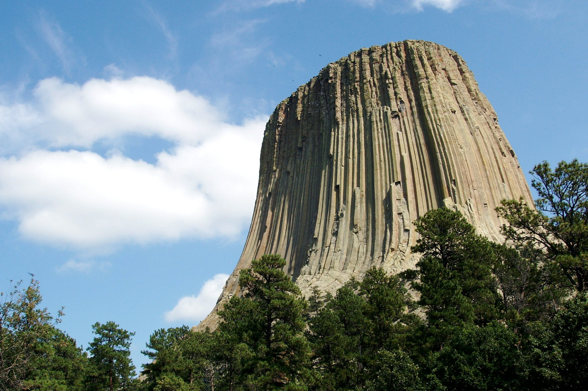 Devils Tower Climbing in Wyoming - Best Season 2020
