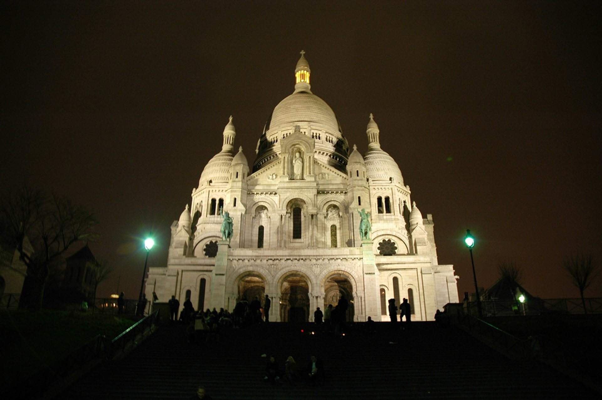 Best time for Summer Nights at Sacré Cœur in Paris 2020