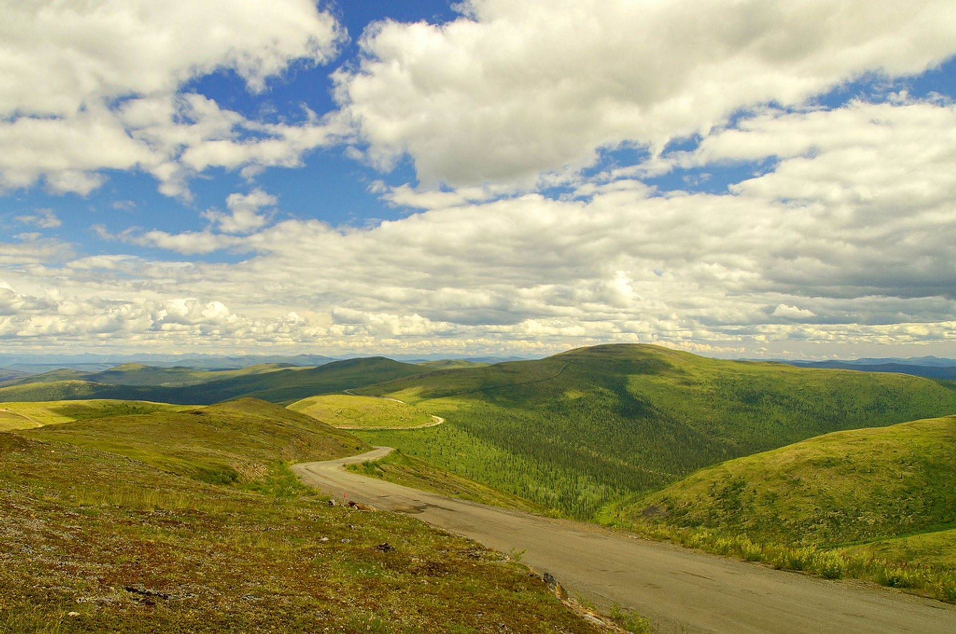 Best time for Top of the World Highway in Alaska 2020