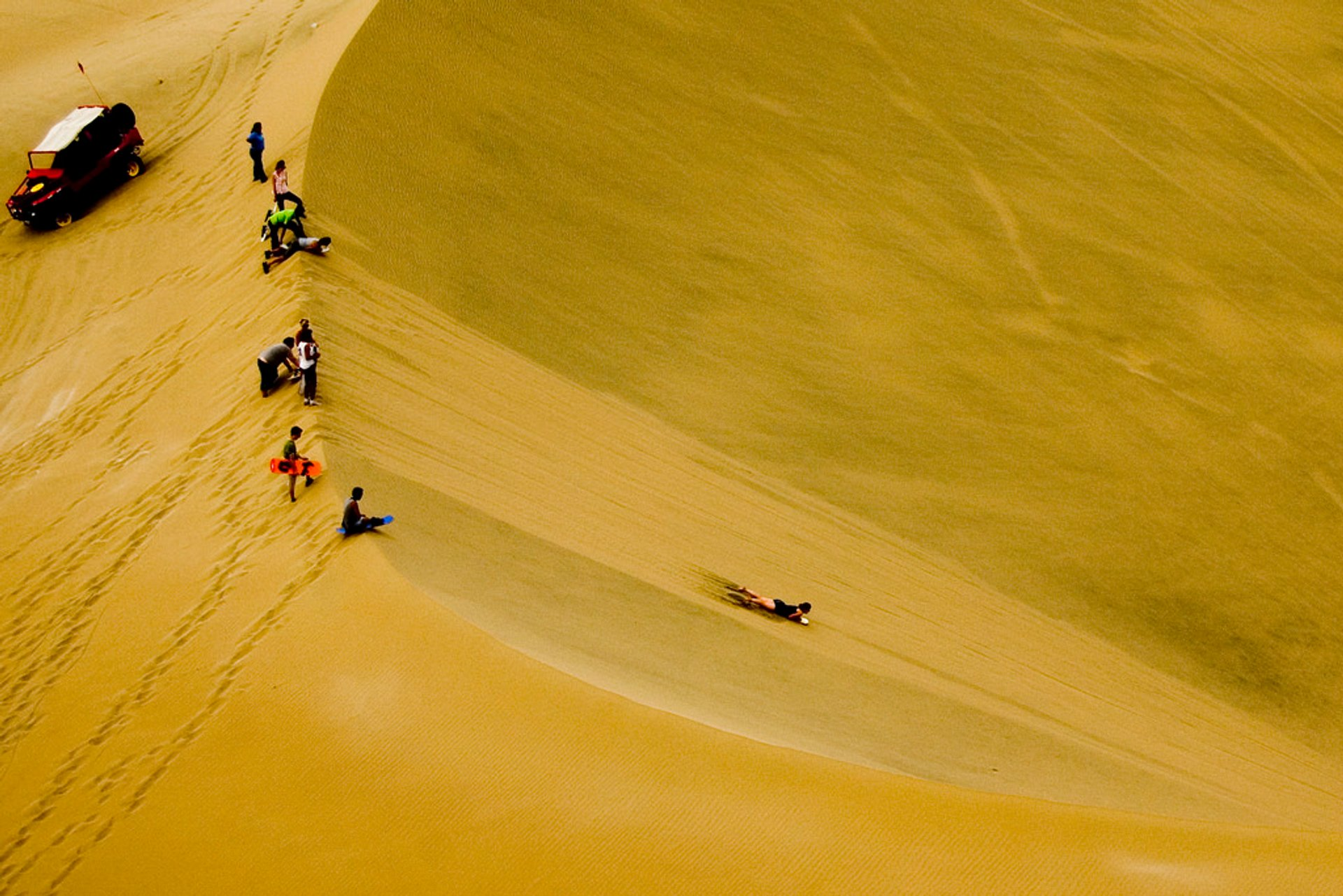 Sandboarding in Huacachina in Peru - Best Season 2020