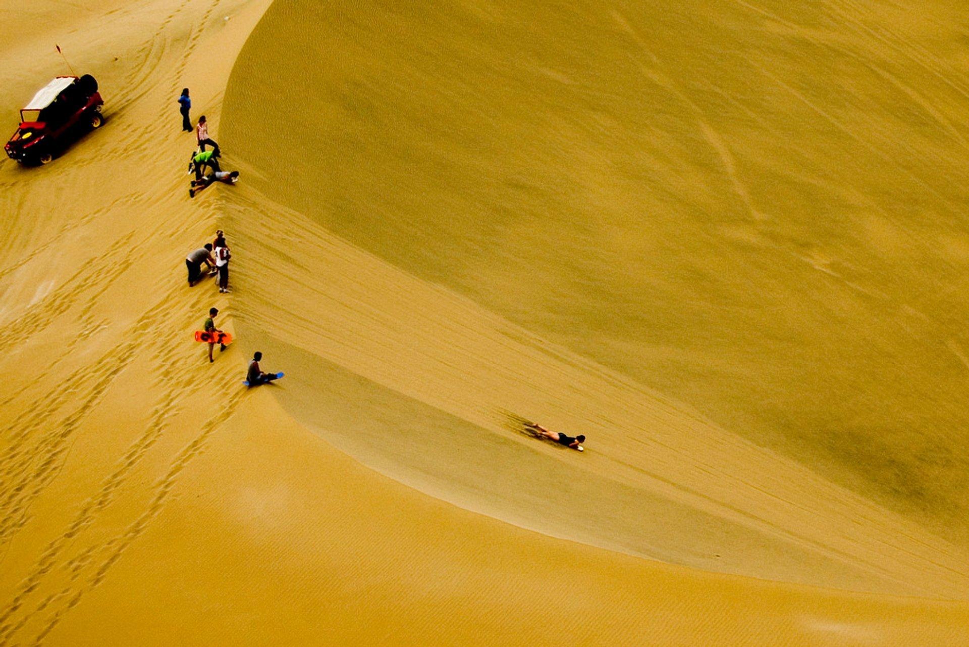 Sandboarding in Huacachina in Peru - Best Season
