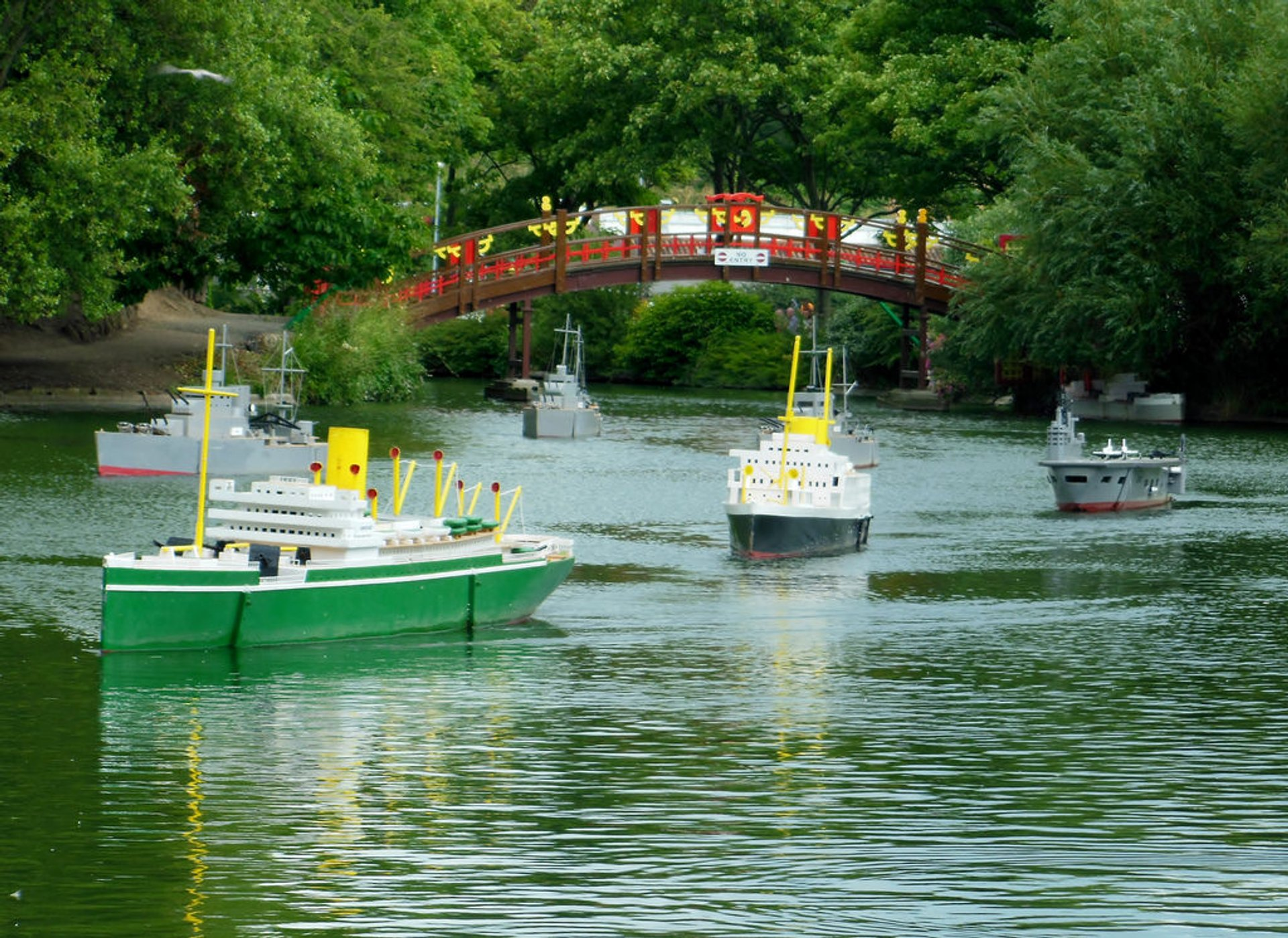 Peasholm Park Naval Warfare in England - Best Season 2020