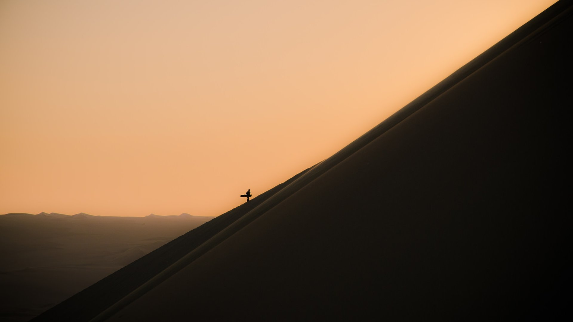 Best time for Sandboarding in Huacachina in Peru