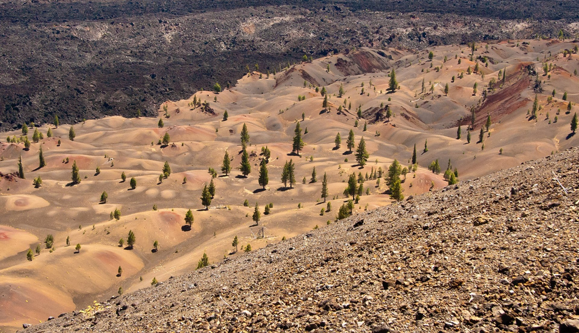 Painted Dunes in Lassen Volcanic National Park in California - Best Season 2019